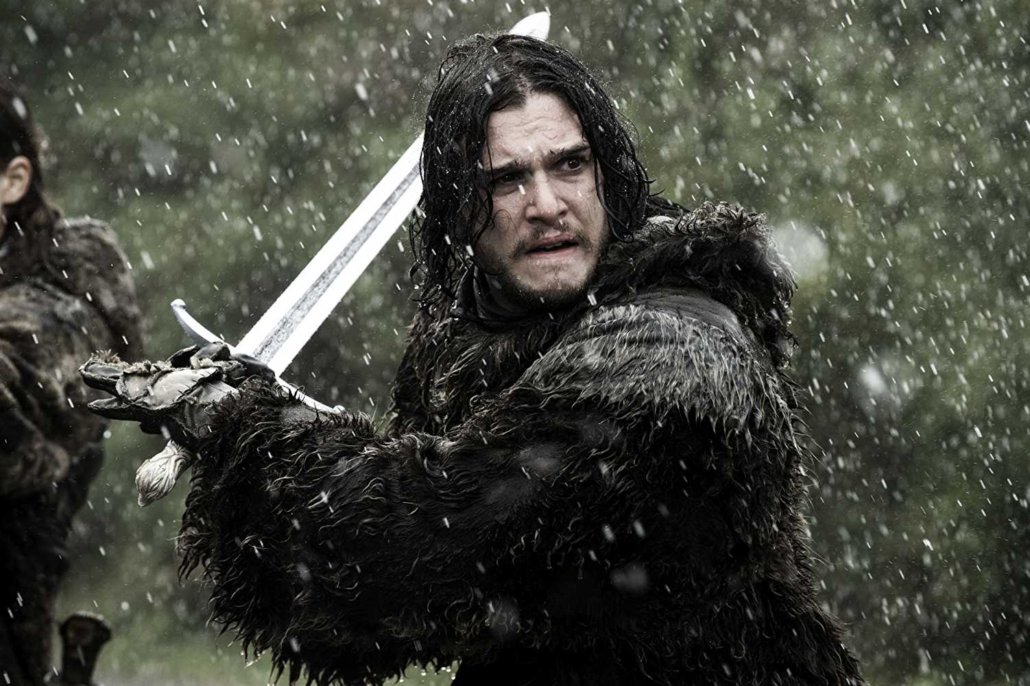 Jon Snow holding his Valyrian steel sword, Longclaw in 'Game of Thrones'. (Source: IMDB)