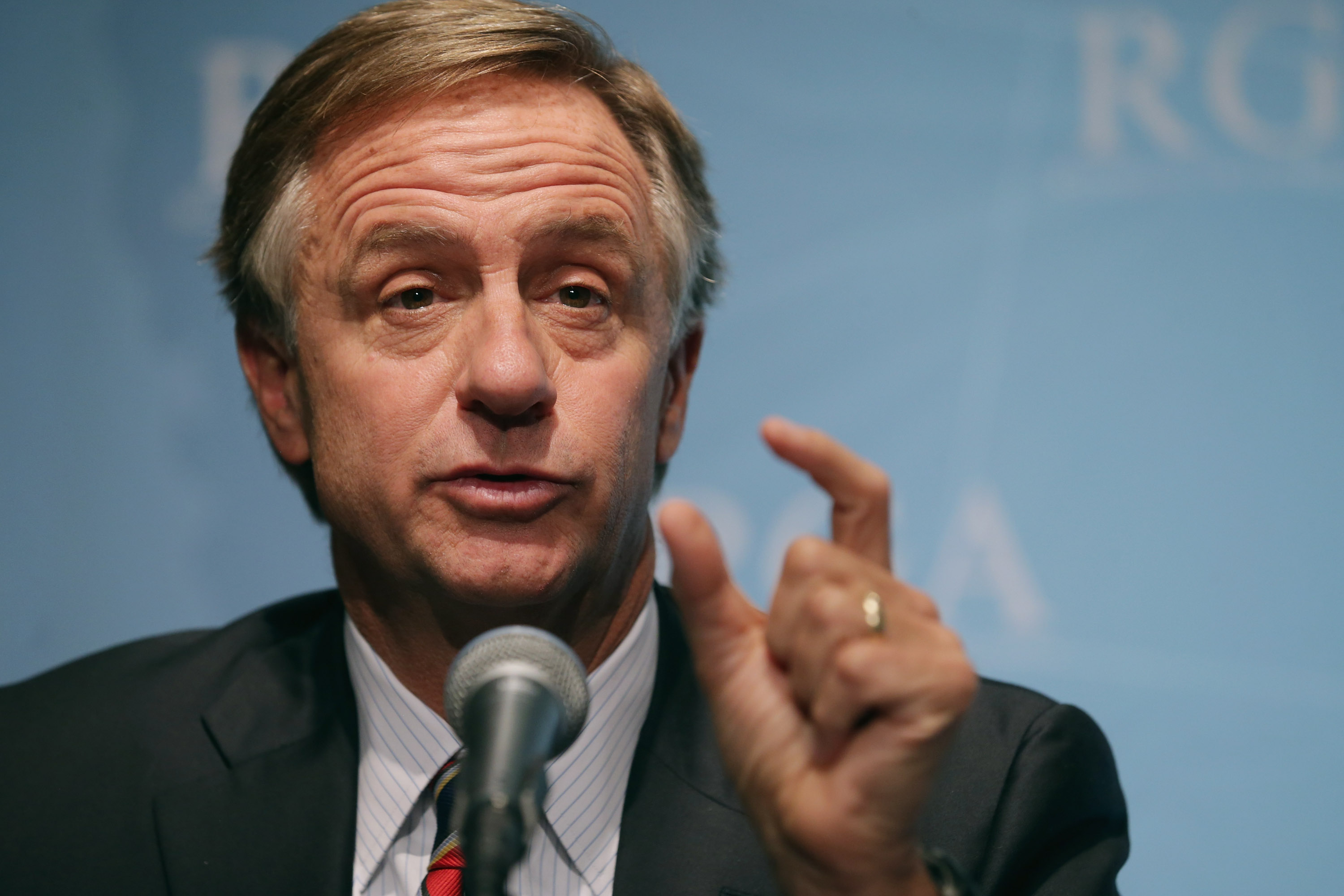 Republican Governors Association Chairman and Tennessee Governor Bill Haslam holds a news conference at the U.S. Chamber of Commerce February 23, 2015 in Washington, DC. (Getty Images)