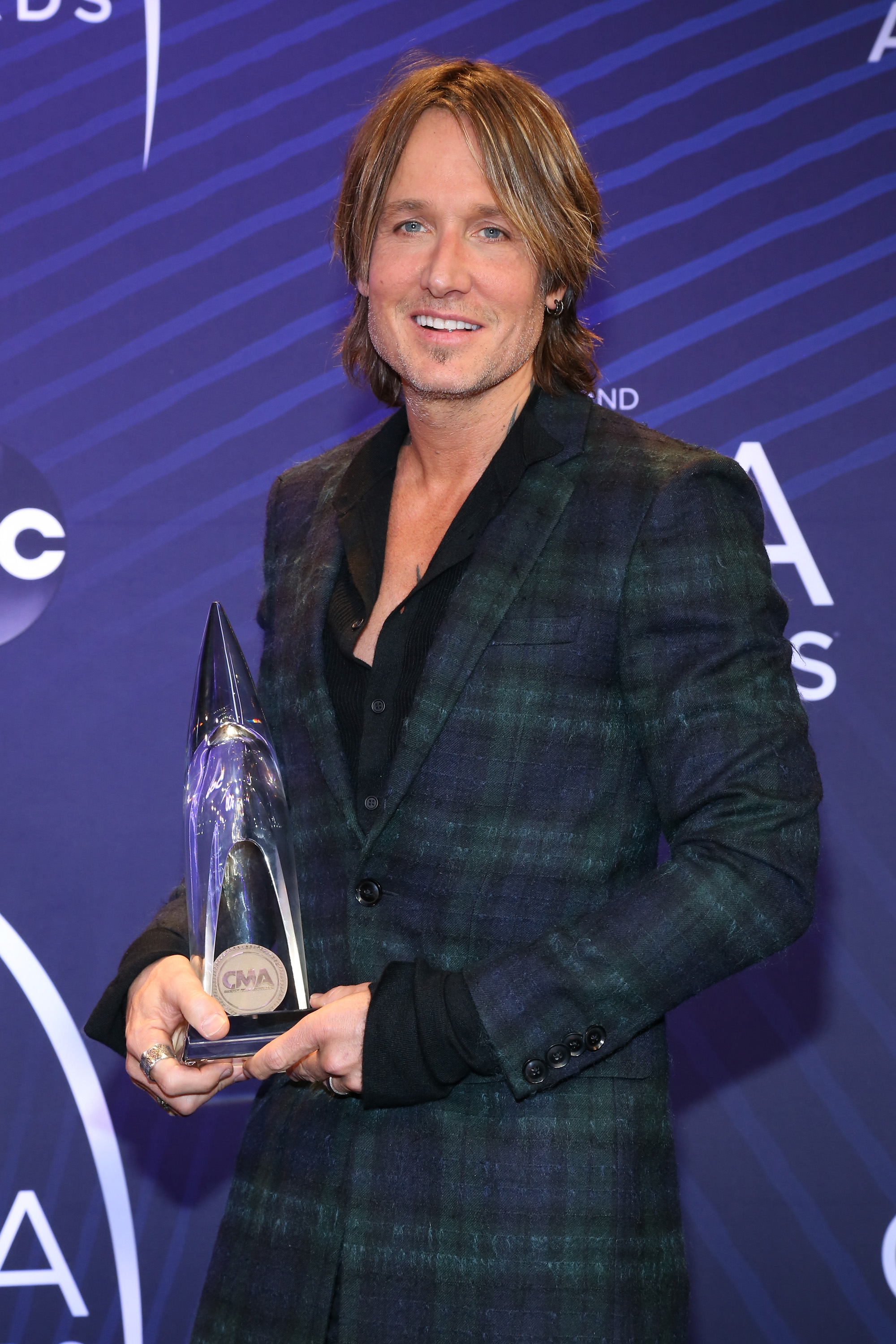 Singer-songwriter Keith Urban speaks to the press during the 52nd annual CMA Awards on November 14, 2018, in Nashville, Tennessee. (Getty Images)