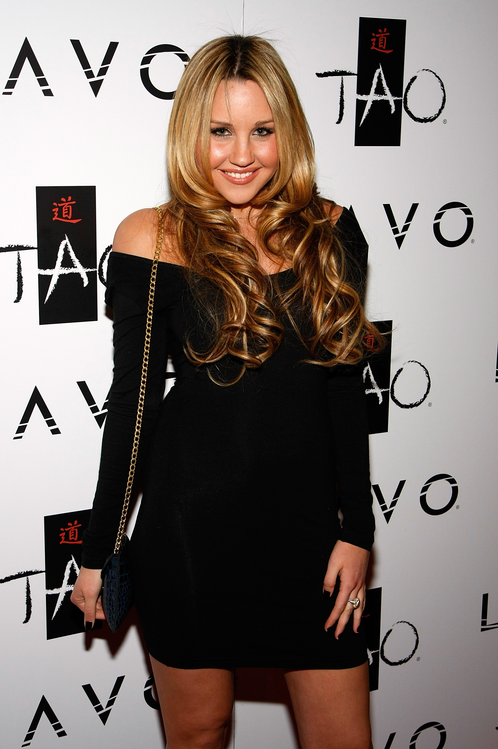 Actress Amanda Bynes arrives at the Tao Nightclub at the Venetian Resort Hotel Casino during the club's four-year anniversary party October 3, 2009 in Las Vegas, Nevada. (Photo by Ethan Miller/Getty Images)