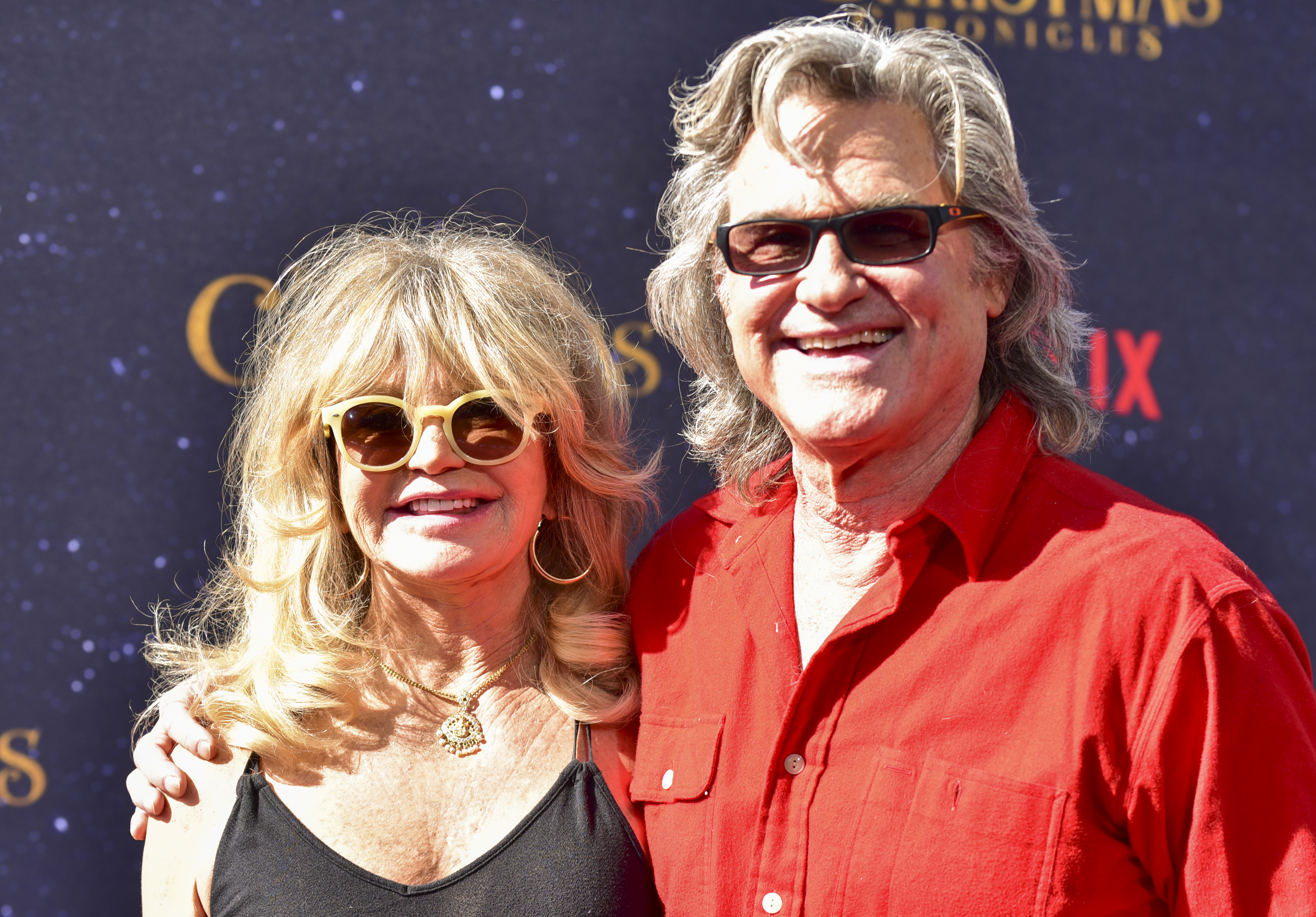 Goldie Hawn and Kurt Russell arrive at the Premiere of Netflix's 'The Christmas Chronicles' (Photo by Rodin Eckenroth/Getty Images)