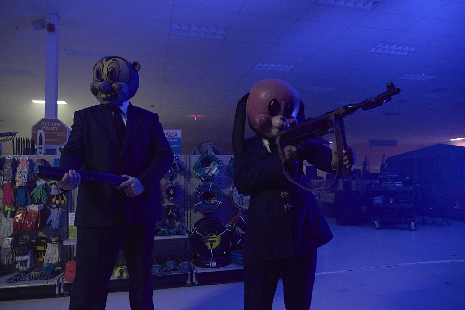 Hazel and Cha-Cha wearing their killing masks in 'The Umbrella Academy'. (Source: IMDB)
