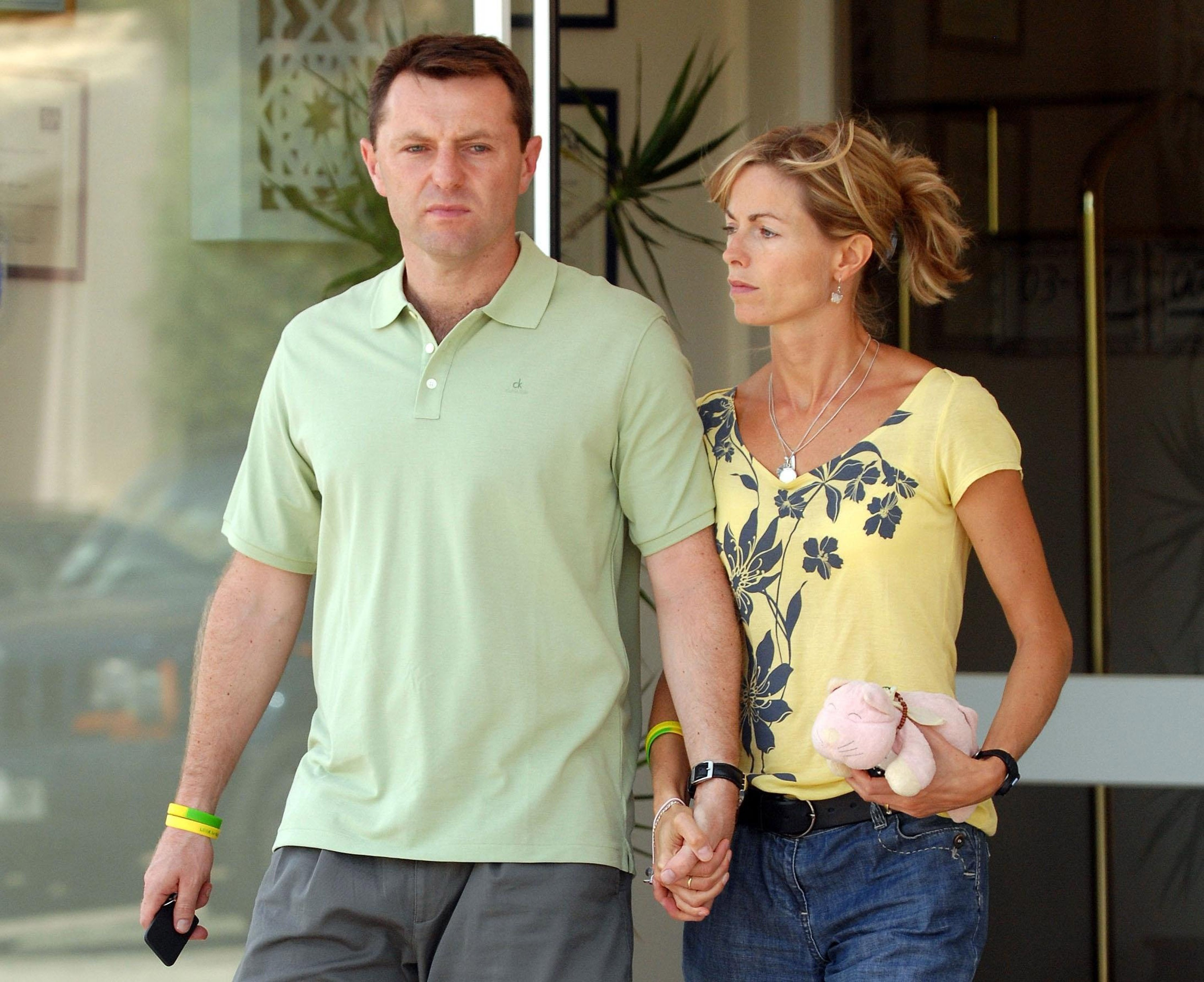 Gerry and Kate McCann, parents of missing Madeleine McCann, leave a hotel on route to an interview with television crews on August 9, 2007, in Praia da Luz, Algarve, Portugal. (Getty)