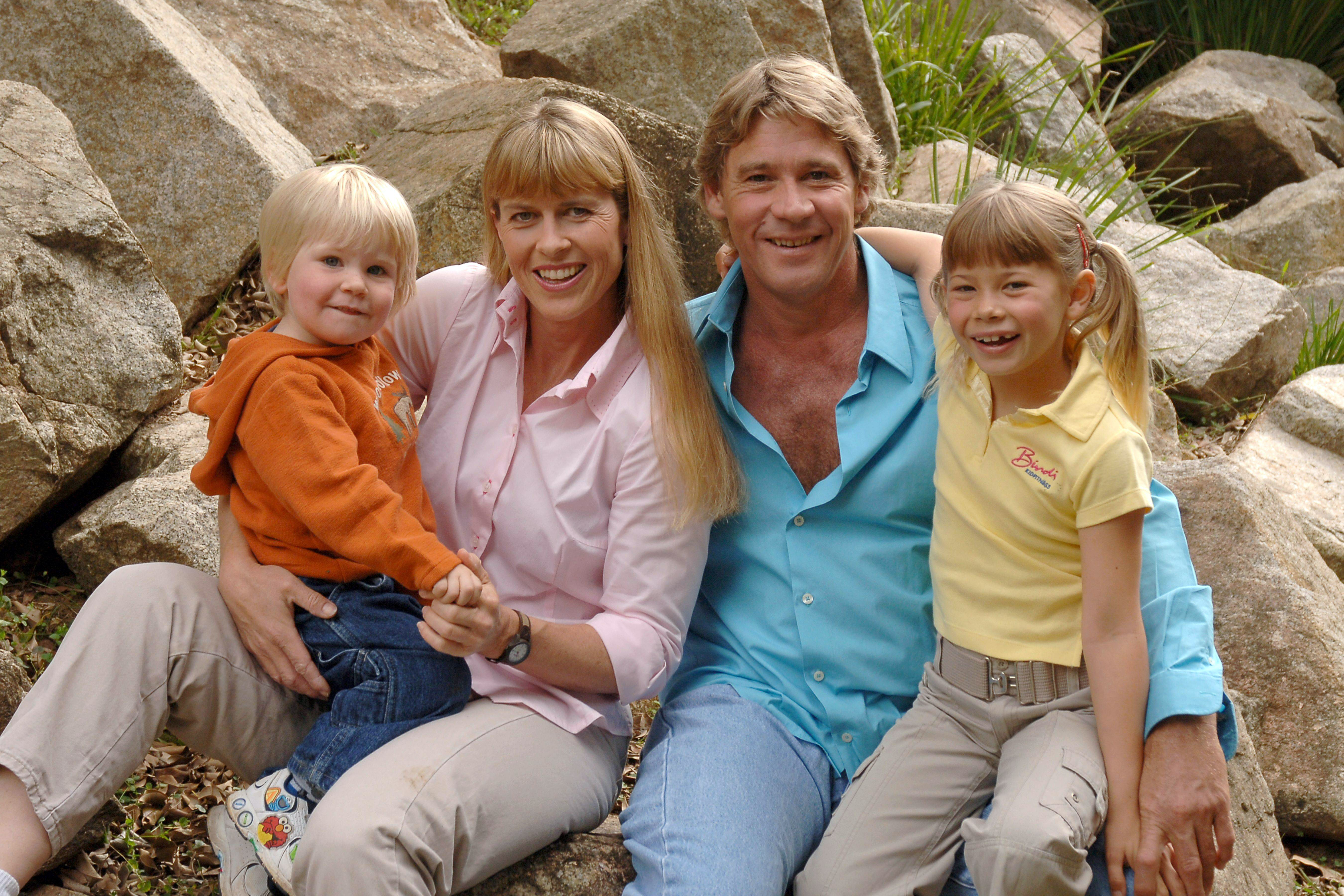 Steve Irwin poses with his family at Australia Zoo June 19, 2006 in Beerwah, Australia. (Photo by Australia Zoo via Getty Images)