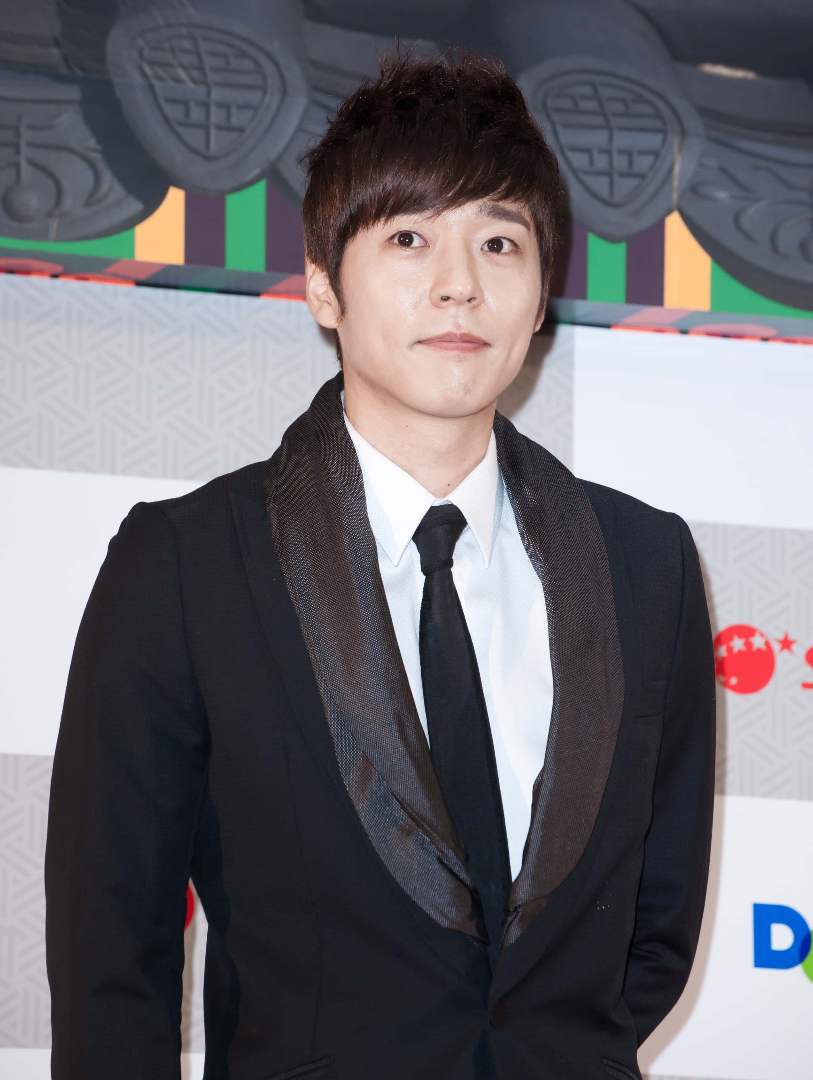 Kang Ji-hwan admits sexual assault, apologizes to victims