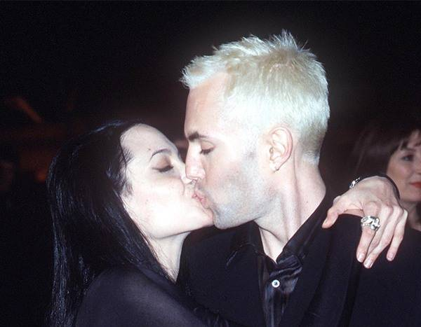 Angelina Jolie kissed her brother James Haven's lips at the Vanity Fair Oscar Party in 2000 (Vanity Fair)
