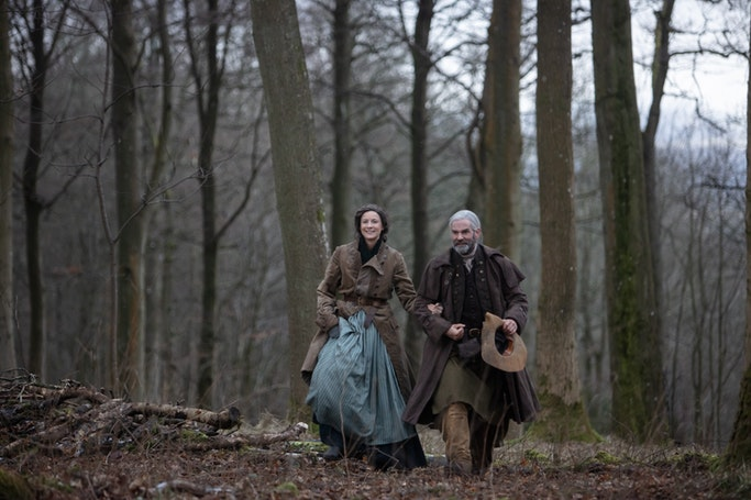 Caitriona Balfe (Claire Randall Fraser), Duncan Lacroix (Murtagh) - Outlander Episode 405