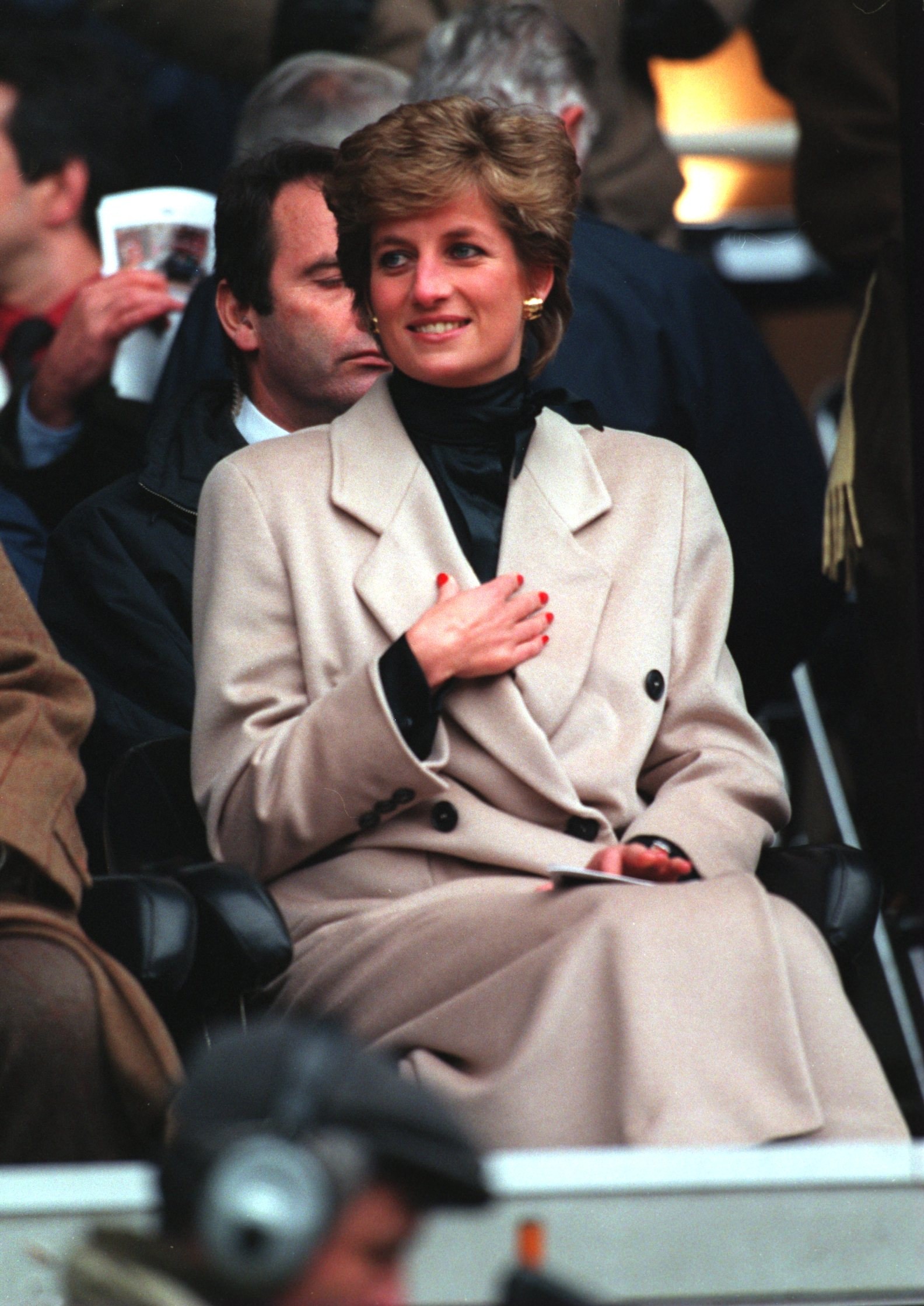 21 JAN 1995: THE PRINCESS OF WALES WATCHES THE WELSH RUGBY UNION TEAM DURING THEIR FIRST FIVE NATIONS MATCH OF THE SEASON AGAINST FRANCE AT PARC DES PRINCES IN PARIS. Mandatory Credit: Pascal Rondeau/ALLSPORT