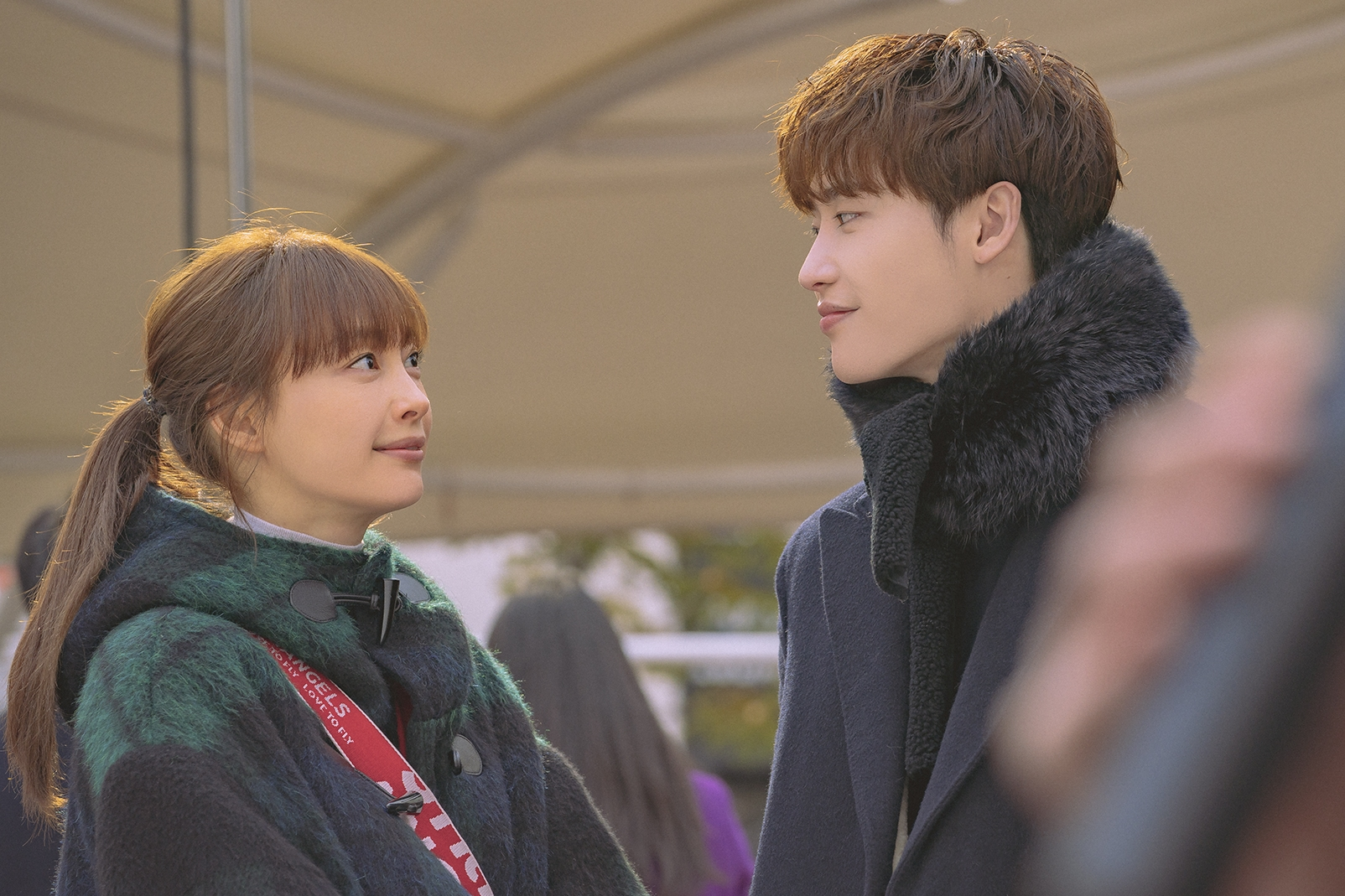 Eun-ho and Dan-yi has been in each other's lives for so long, it might be a little difficult for either to put their friendship at risk by dating each other (Netflix)