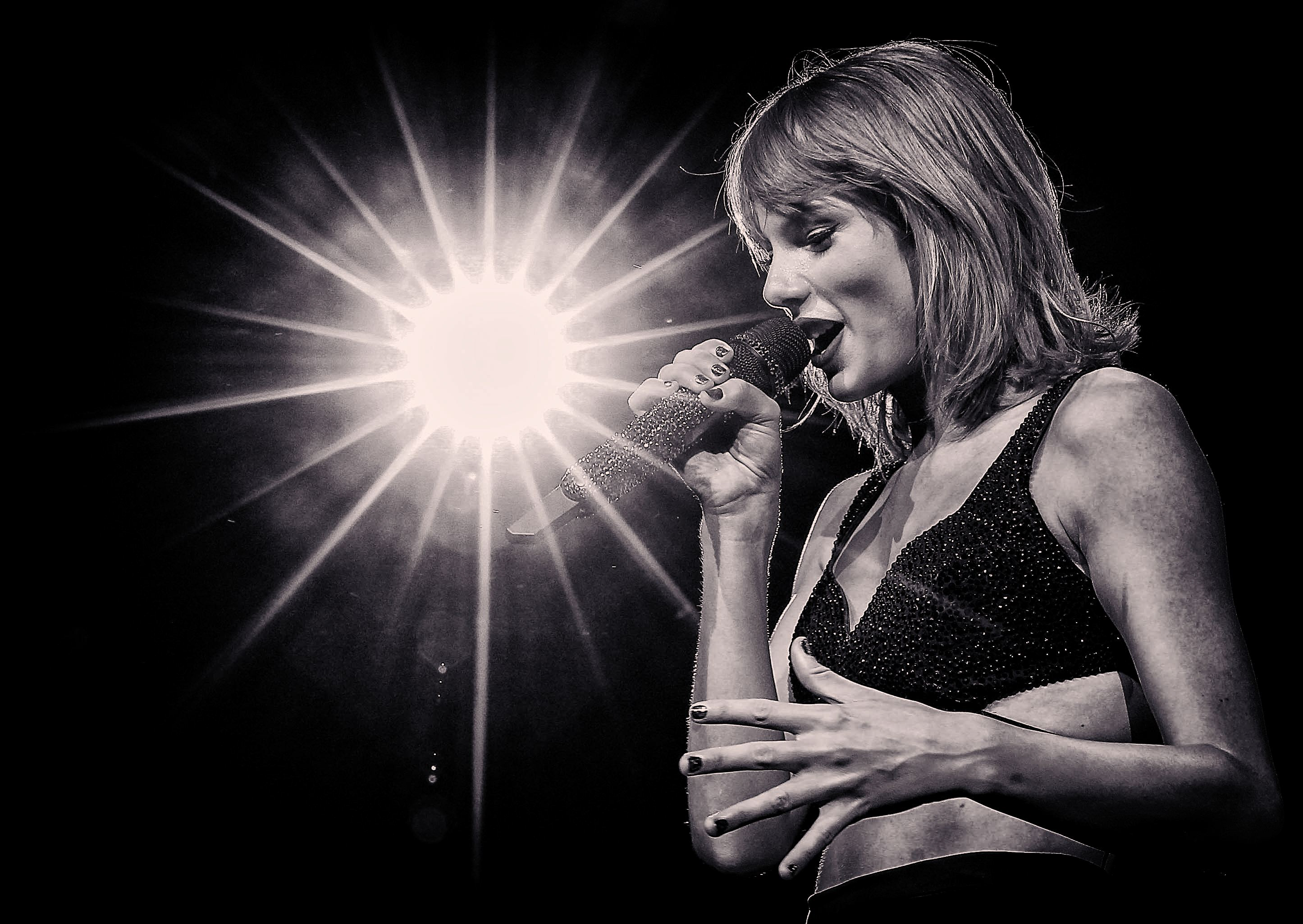 (EDITORS NOTE: This image has been altered digitally) Singer-songwriter Taylor Swift onstage during The 1989 World Tour Live In Los Angeles at Staples Center on August 21, 2015 in Los Angeles, California.