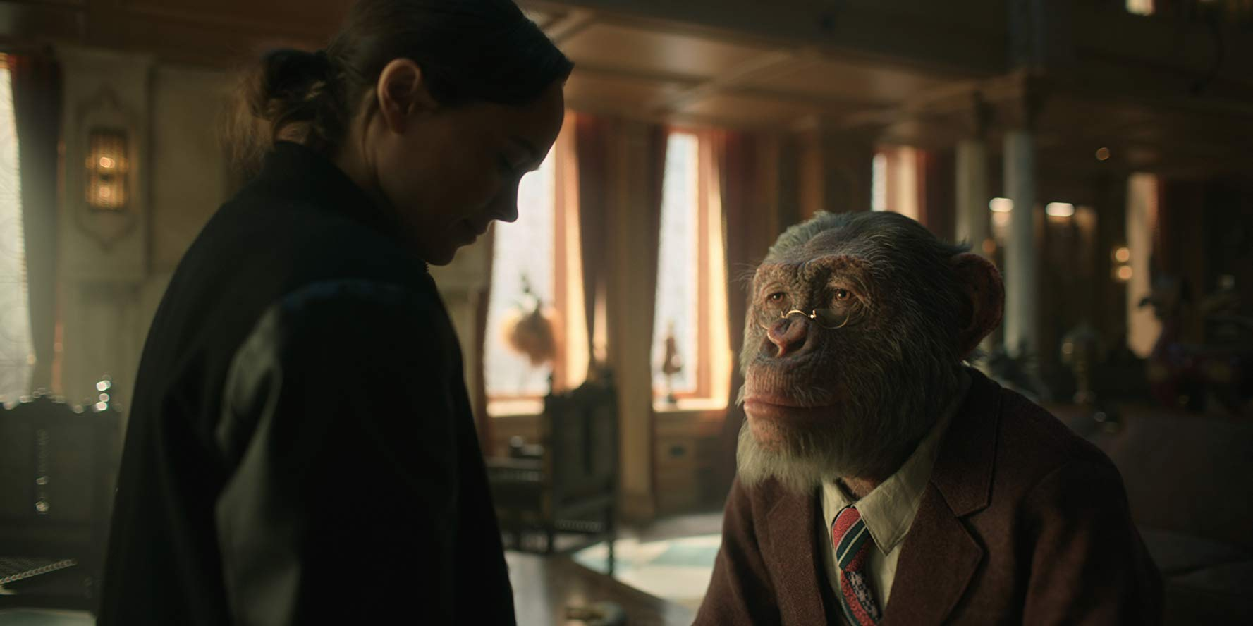 Vanya Hargreeves (Ellen Page) and Pogo in 'The Umbrella Academy'. (Source: IMDB)