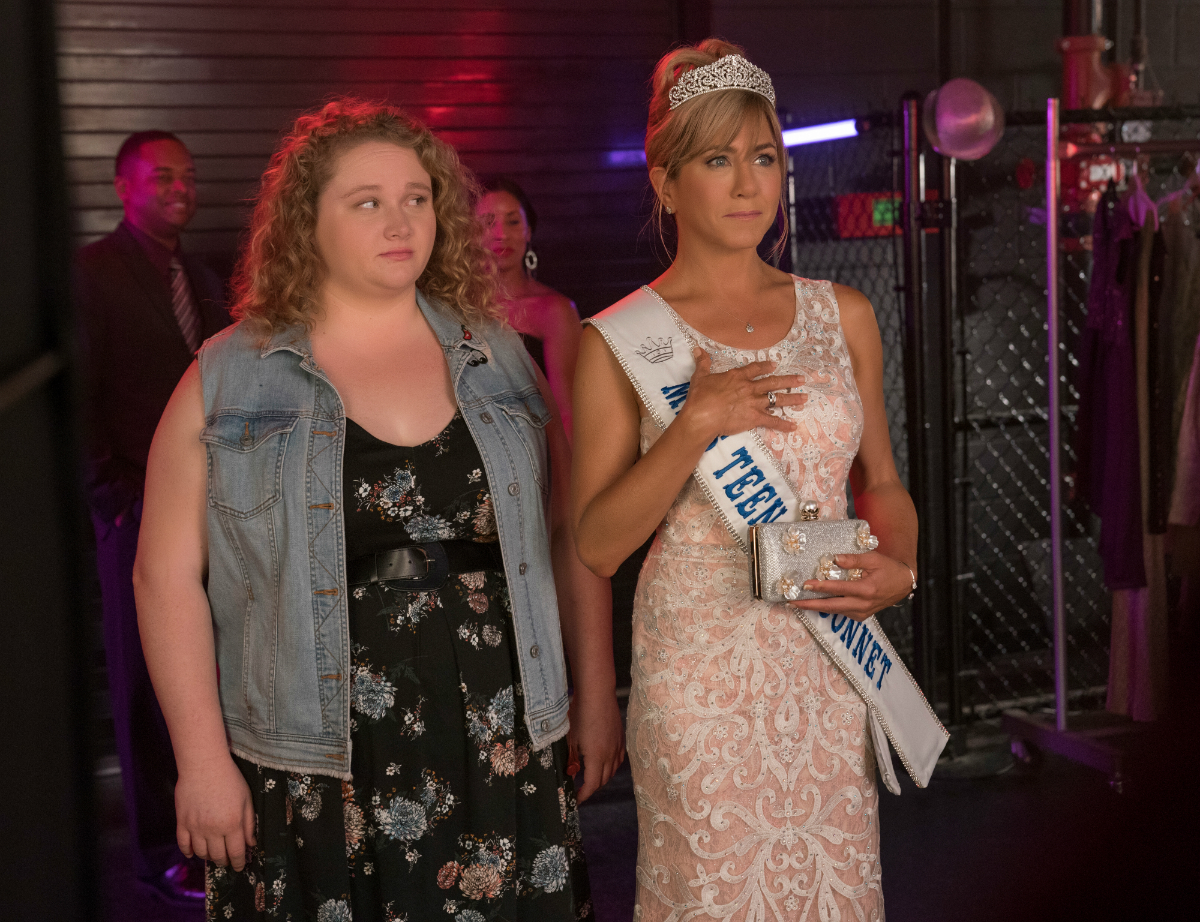 Danielle Macdonald and Jennifer Aniston in Dumplin' (Netflix)
