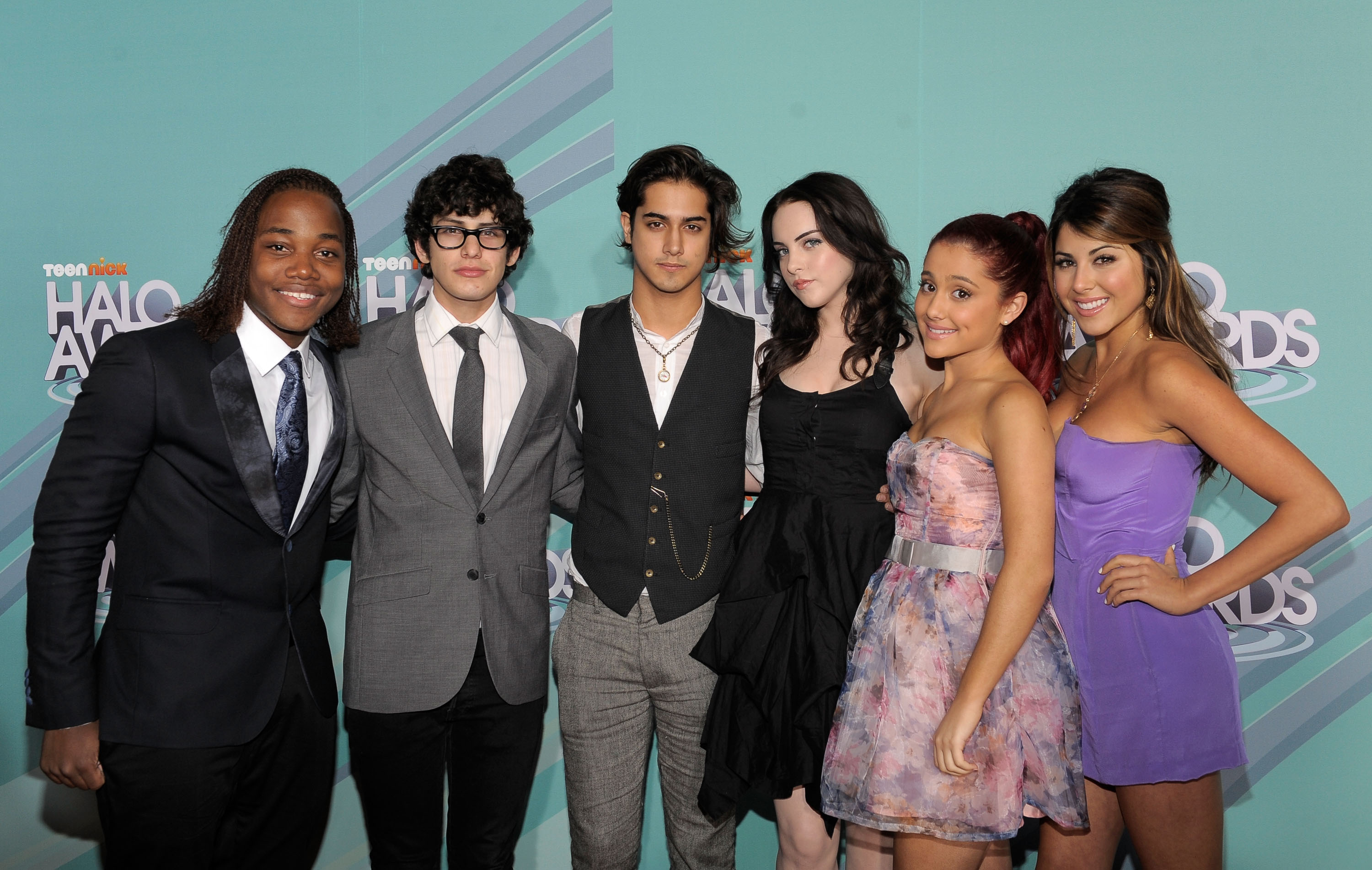 The cast of 'Victorious' (L-R) Leon Thomas III, Matt Bennett, Avan Jogia, Elizabeth Gillies, Ariana Grande and Daniella Monet arrive at the 3rd Annual TeenNick HALO Awards at Hollywood Palladium on October 26, 2011, in Hollywood, California. (Getty Images)