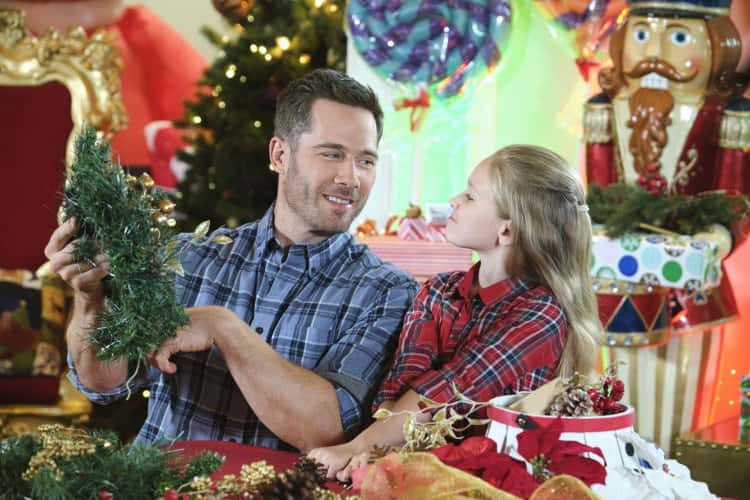 Chateau Christmas Release Date Plot Cast And All You Need To Know About Hallmark S Feel Good Film On Festivity Meaww