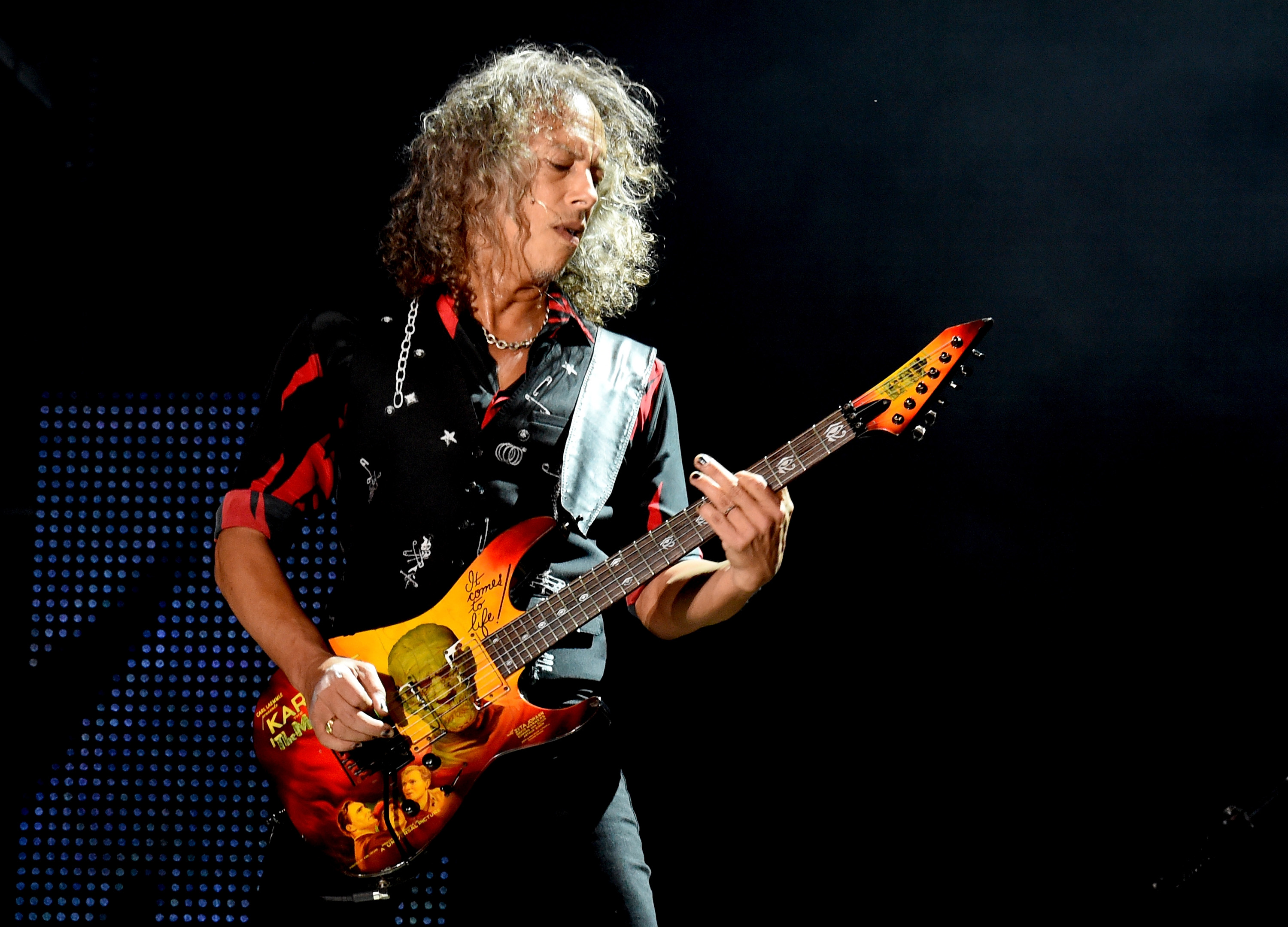 Kirk Hammett believes that it would be healthy for members of Metallica to venture off on solo projects. (Image Source: Getty Images)