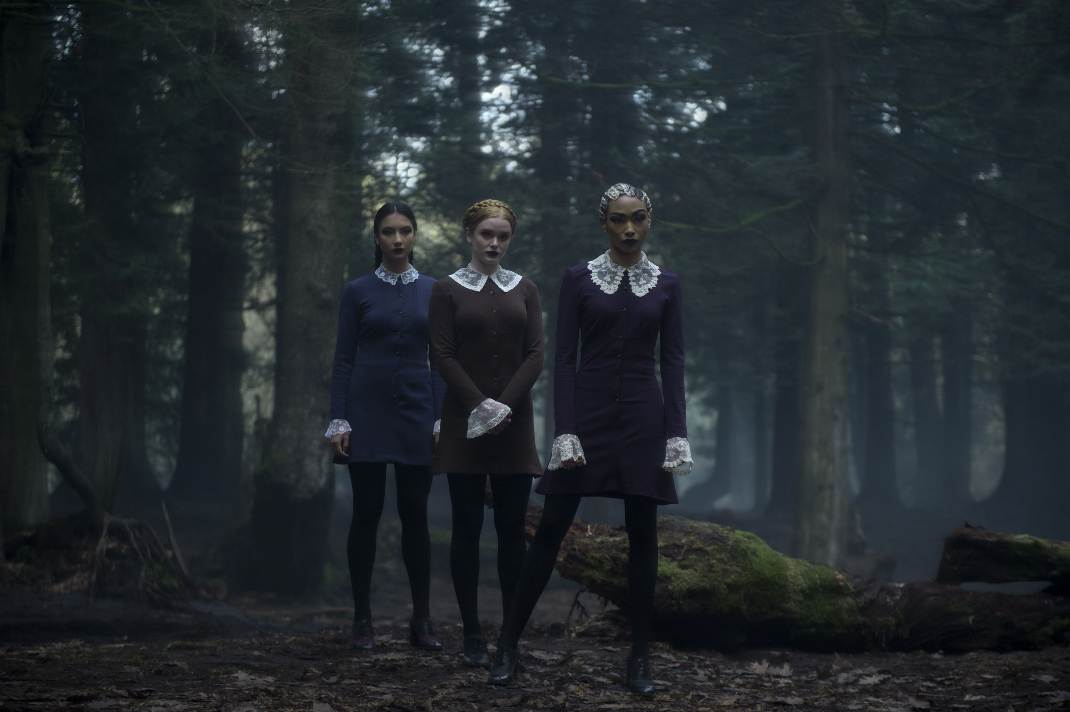 The Weird Sisters  played by Tati Gabrielle, Adeline Rudolph and Abigail Cowen (Netflix)