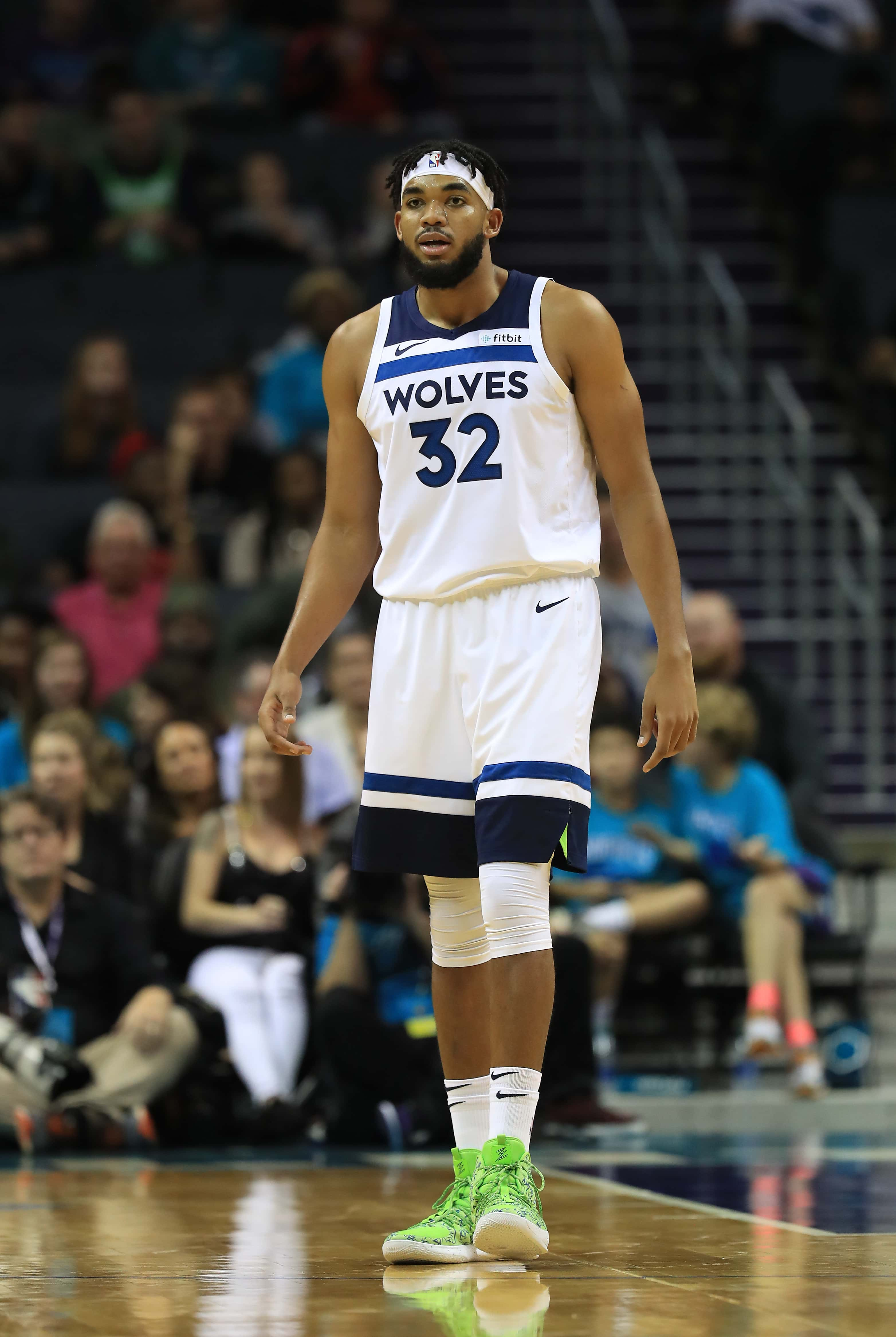 Who Is Karl Anthony Towns Jordyn Woods Sparks Romance Rumors After She Is Spotted Dining With Nba Player Meaww