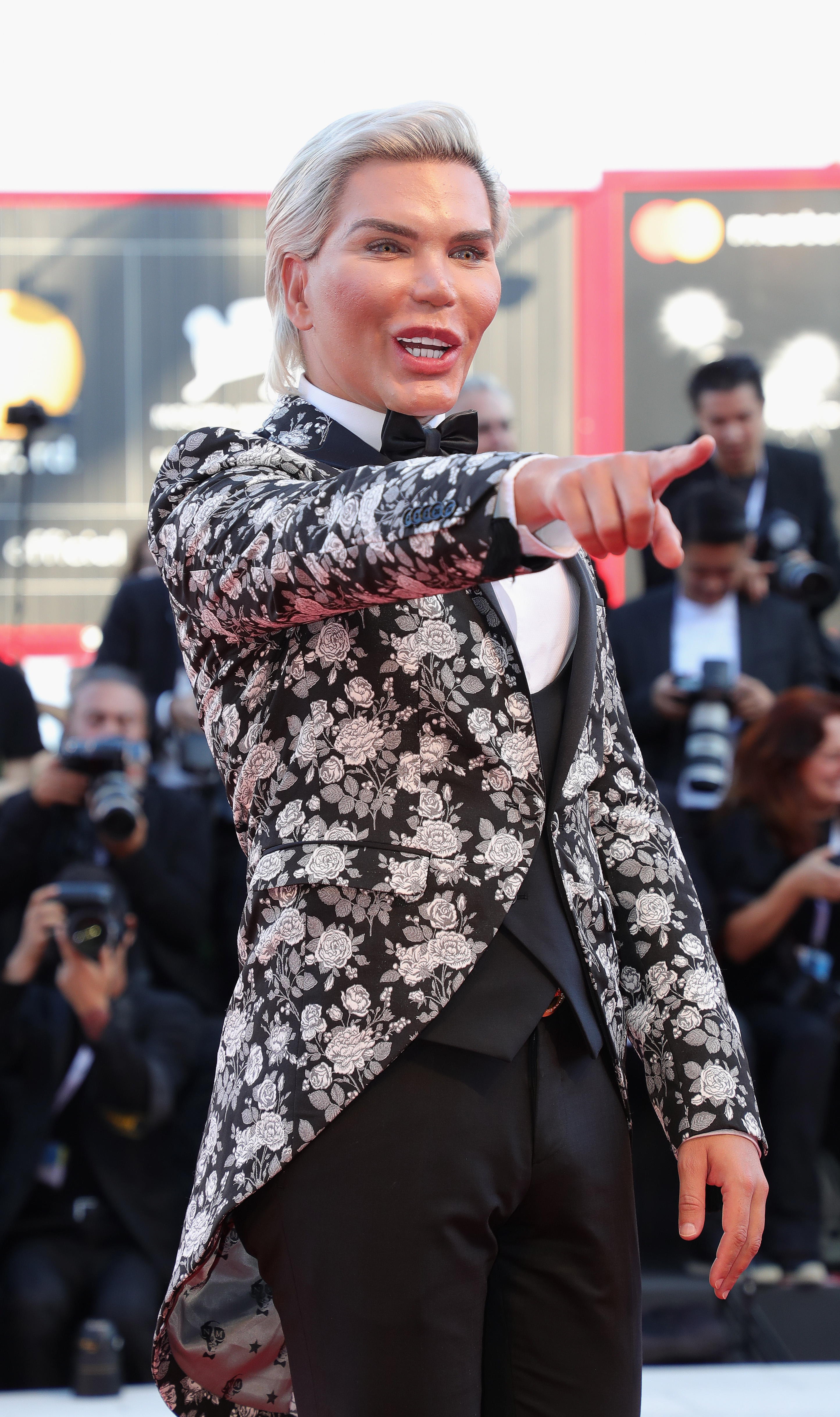 Rodrigo Alves walks the red carpet ahead of the 'Vox Lux' screening during the 75th Venice Film Festival at Sala Grande on September 4, 2018, in Venice, Italy. (Getty Images)