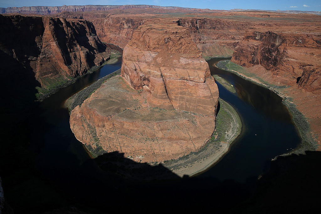 The Colorado River wraps around Horseshoe Bend on March 30, 2015, in Page, Arizona. (Photo by Justin Sullivan/Getty Images)
