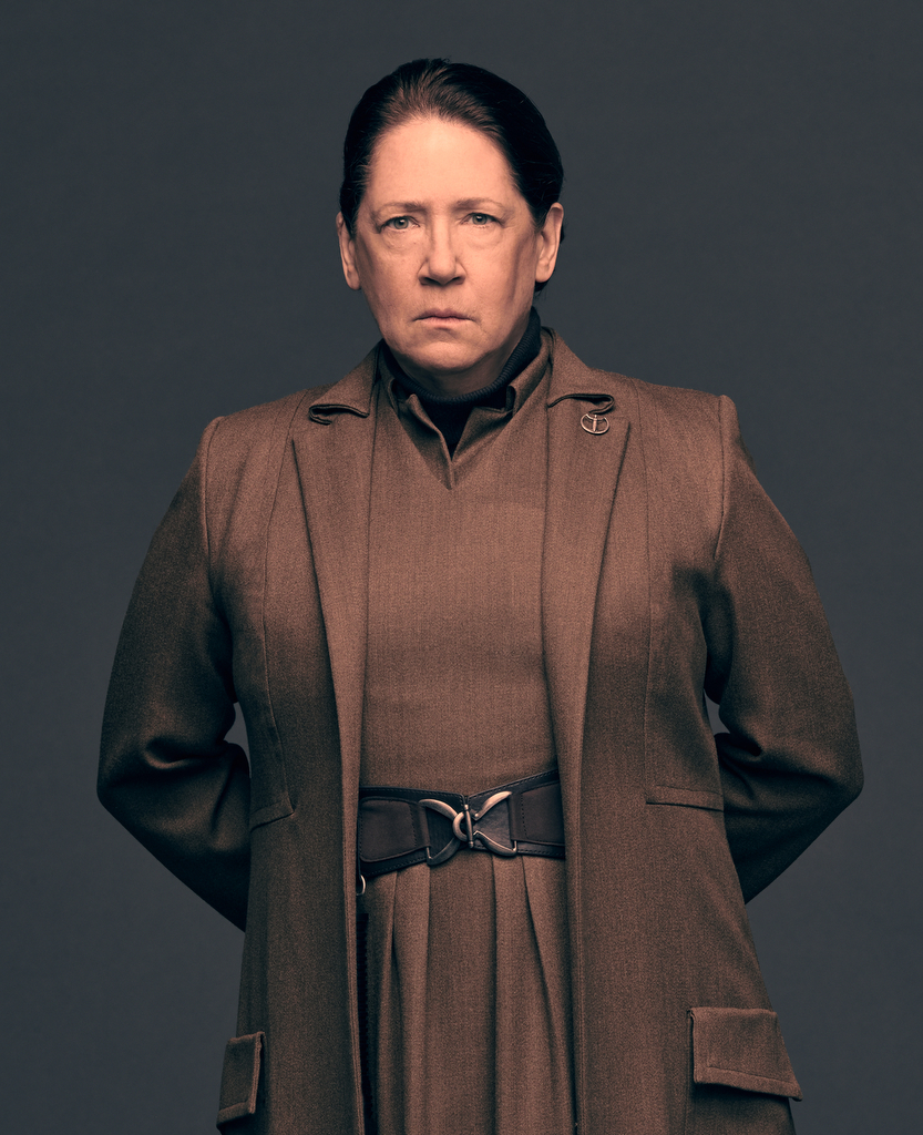 Ann Dowd plays the role of Aunt Lydia in 'The Handmaid's Tale'. (Source: Hulu)