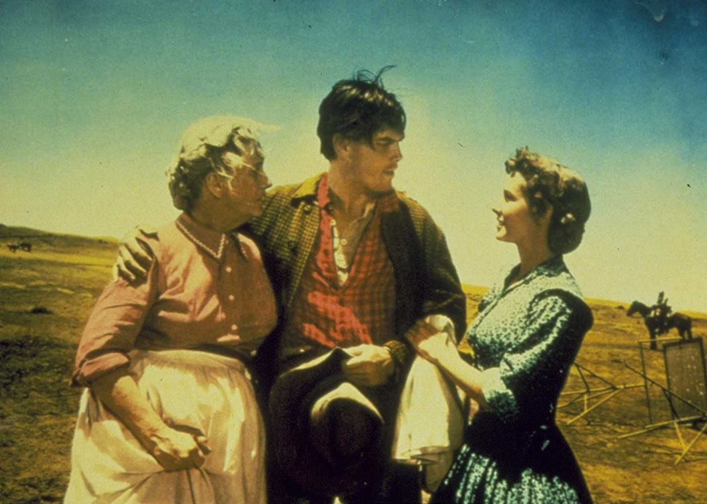 Jeffrey Hunter, Olive Carey, and Vera Miles in The Searchers (1956). (IMDb)
