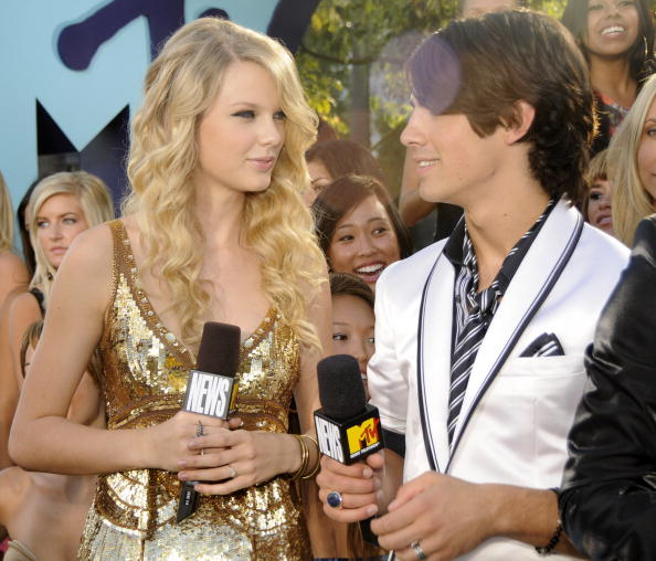 Taylor Swift and Joe Jonas in Los Angeles in 2008 (Photo by Kevin Mazur/WireImage)