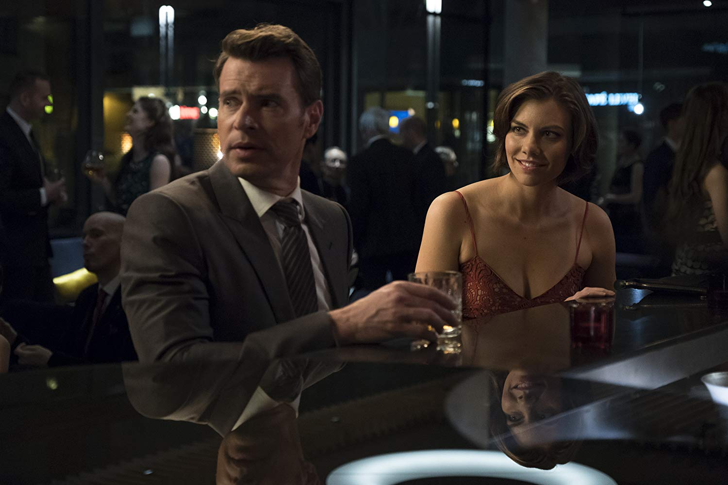 Scott Foley and Lauren Cohan in 'Whiskey Cavalier'. (Source: IMDB)