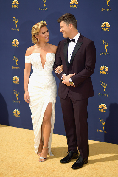 Scarlett Johansson (L) and Colin Jost attends the 70th Emmy Awards at Microsoft Theater on September 17, 2018 in Los Angeles, California. (Photo by Matt Winkelmeyer/Getty Images)