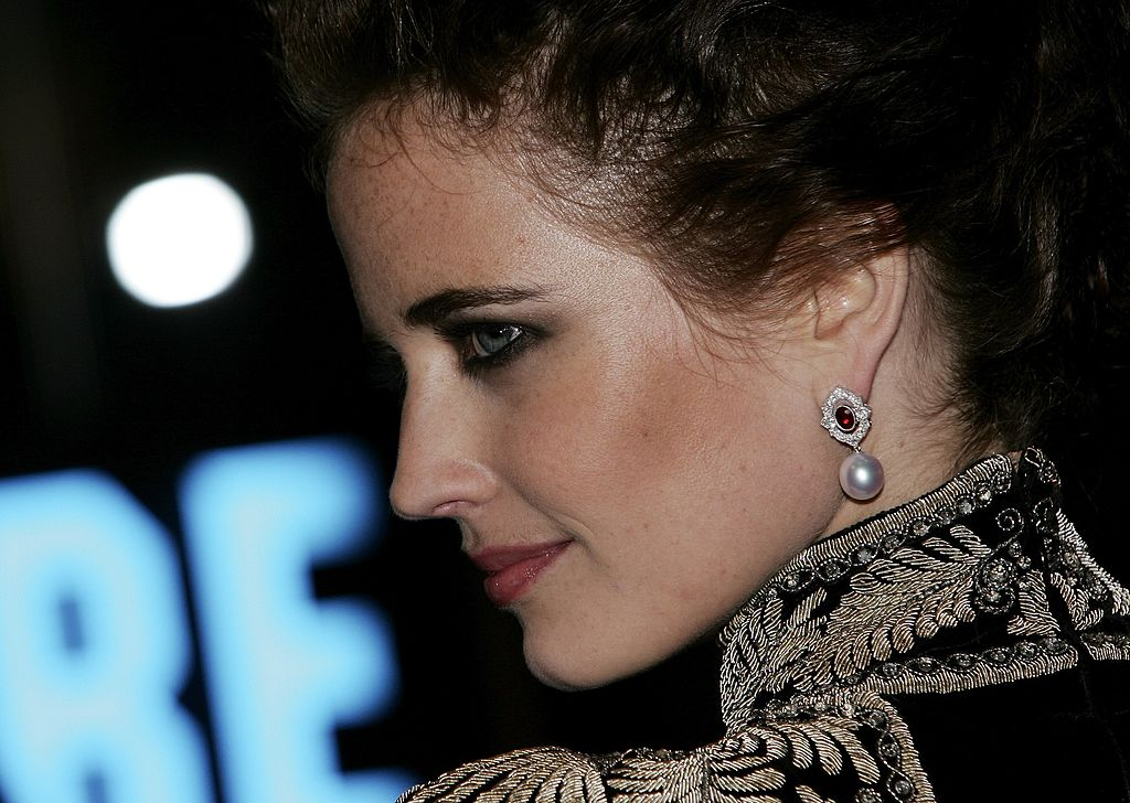 Actress Eva Green attends the Royal Premiere for the 21st James Bond film 'Casino Royale' at the Odeon Leicester Square on November 14, 2006, in London. (Photo by Gareth Cattermole/Getty Images)