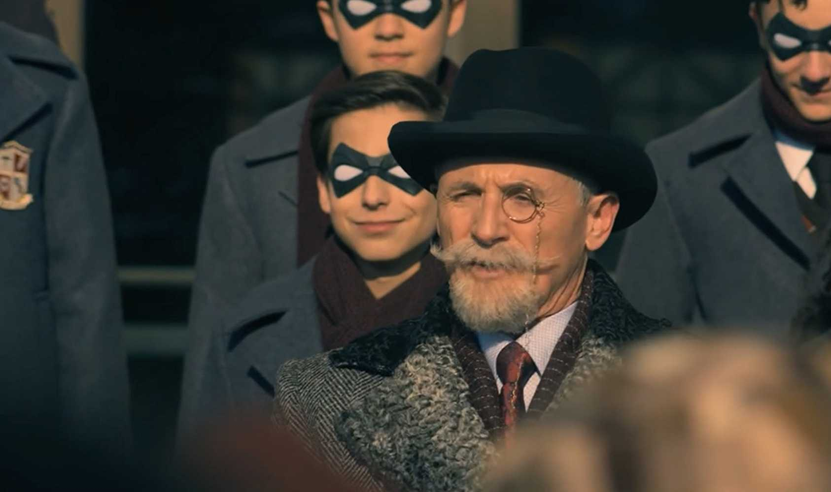 Colm Feore as Sir Reginald Hargreeves in 'The Umbrella Academy'. (Source: IMDB)