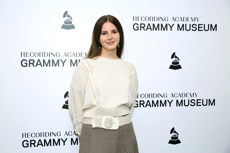 Lana Del Rey alışverişte - Magazin haberleri | Dünyadan Haberleri