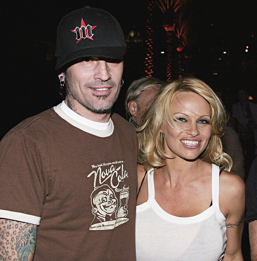 Pamela Anderson and Tommy Lee arrive at the Rodeo Drive Walk of Style Event Honoring Tom Ford on March 28, 2004, in Beverly Hills, California. (Source: Giulio Marcocchi/Getty Images)