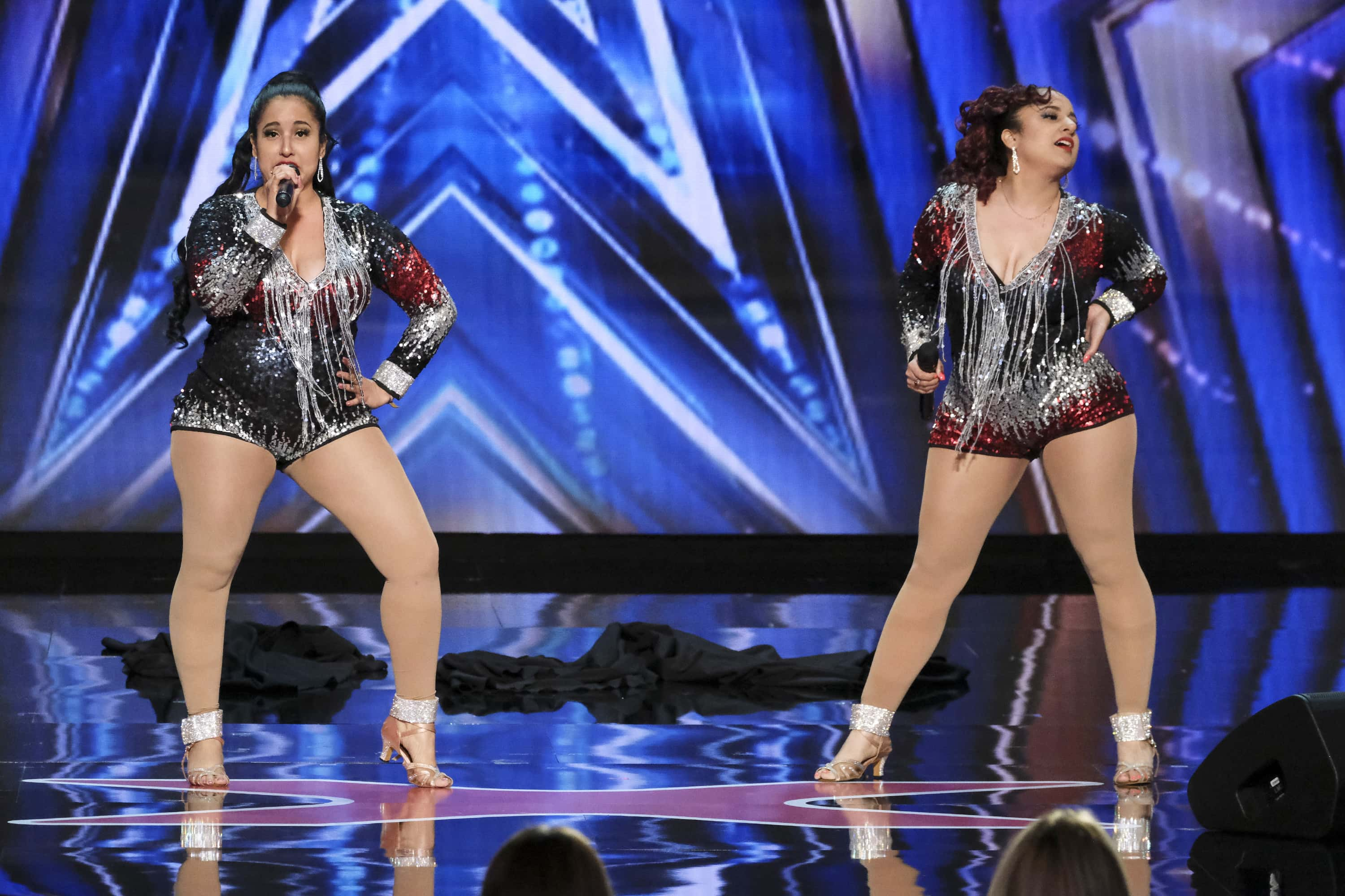 America S Got Talent Season 15 Double Dragon Twins Light Up The Stage With Their Fiery Vocals Meaww
