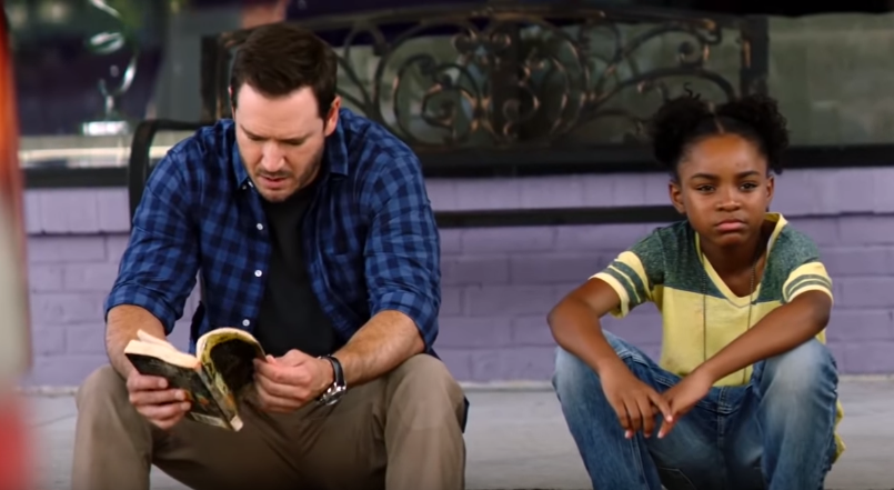 Mark-Paul Gosselaar as Brad Wolgast (L) and breakout young actress Saniyya Sidney as Amy Bellafonte in the trailer of 'The Passage.' (Source: Screenshot)