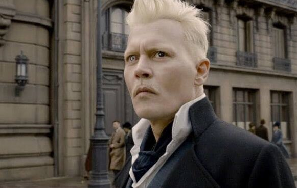 Johnny Depp as Grindelwald. (Source: Twitter)