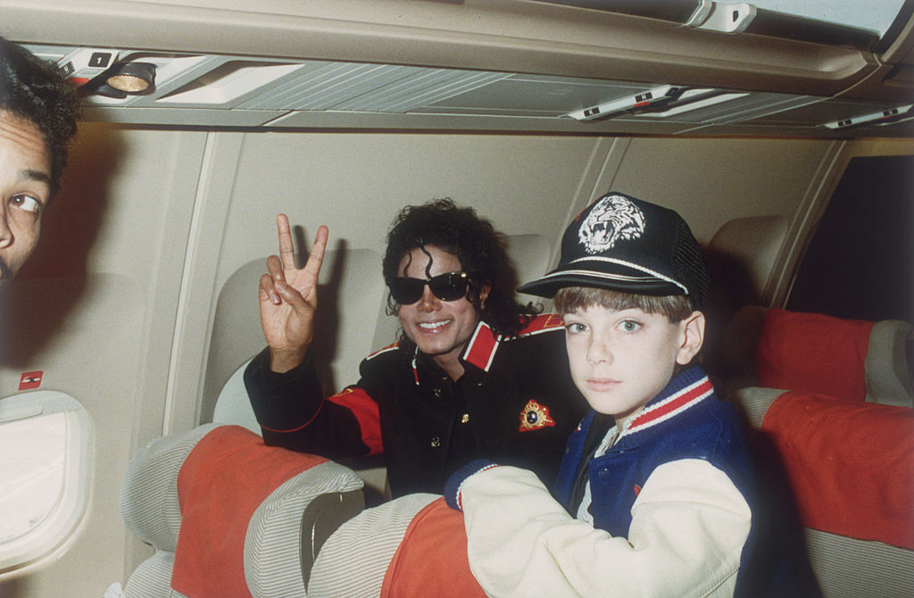 Michael Jackson with 10-year-old James Safechuck on July 11, 1988 (Getty Images)