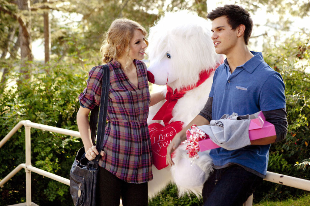Taylor Swift and Taylor Lautner starred in 'Valentine's Day' (Twitter)
