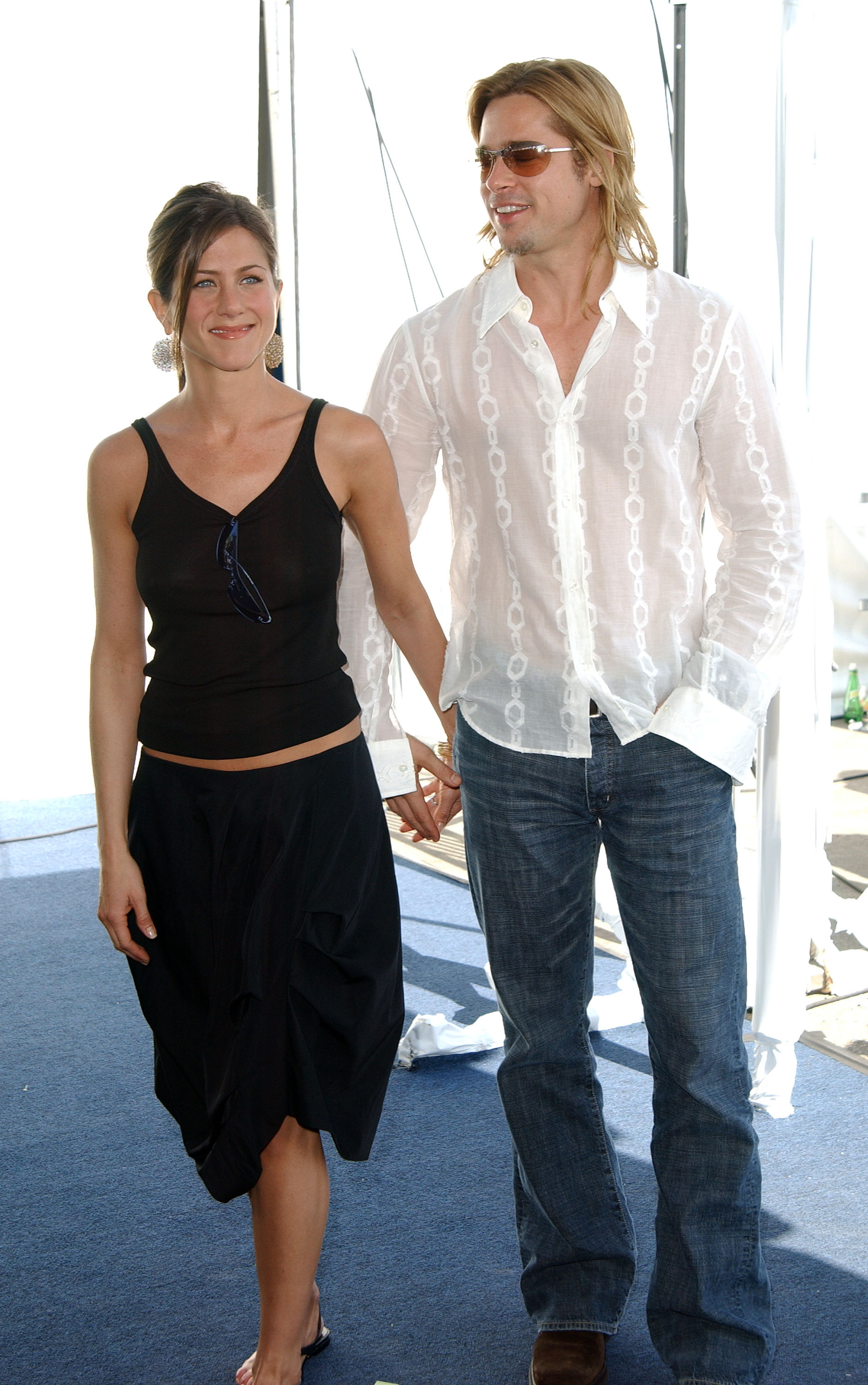 Actors Jennifer Aniston and Brad Pitt attend the 2003 IFP Independent Spirit Awards on March 22, 2003 in Santa Monica, California. (Photo by Jon Kopaloff/Getty Images)