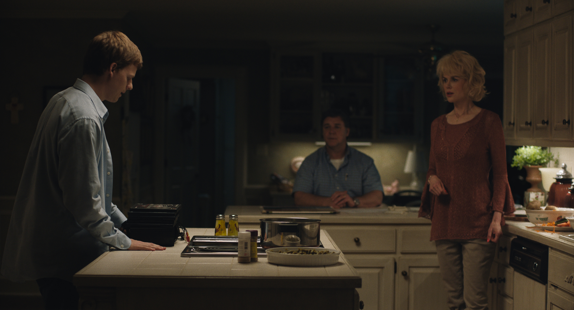 Lucas Hedges stars as 'Jared' with Russell Crowe and Nicole Kidman as his parents 'Marshall' and 'Nancy' in Joel Edgerton's 'BOY ERASED', a Focus Features release. (Credit: Focus Features)