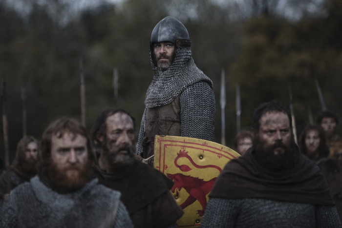 Chris Pine as Robert the Bruce in Outlaw King. Source: Netflix.