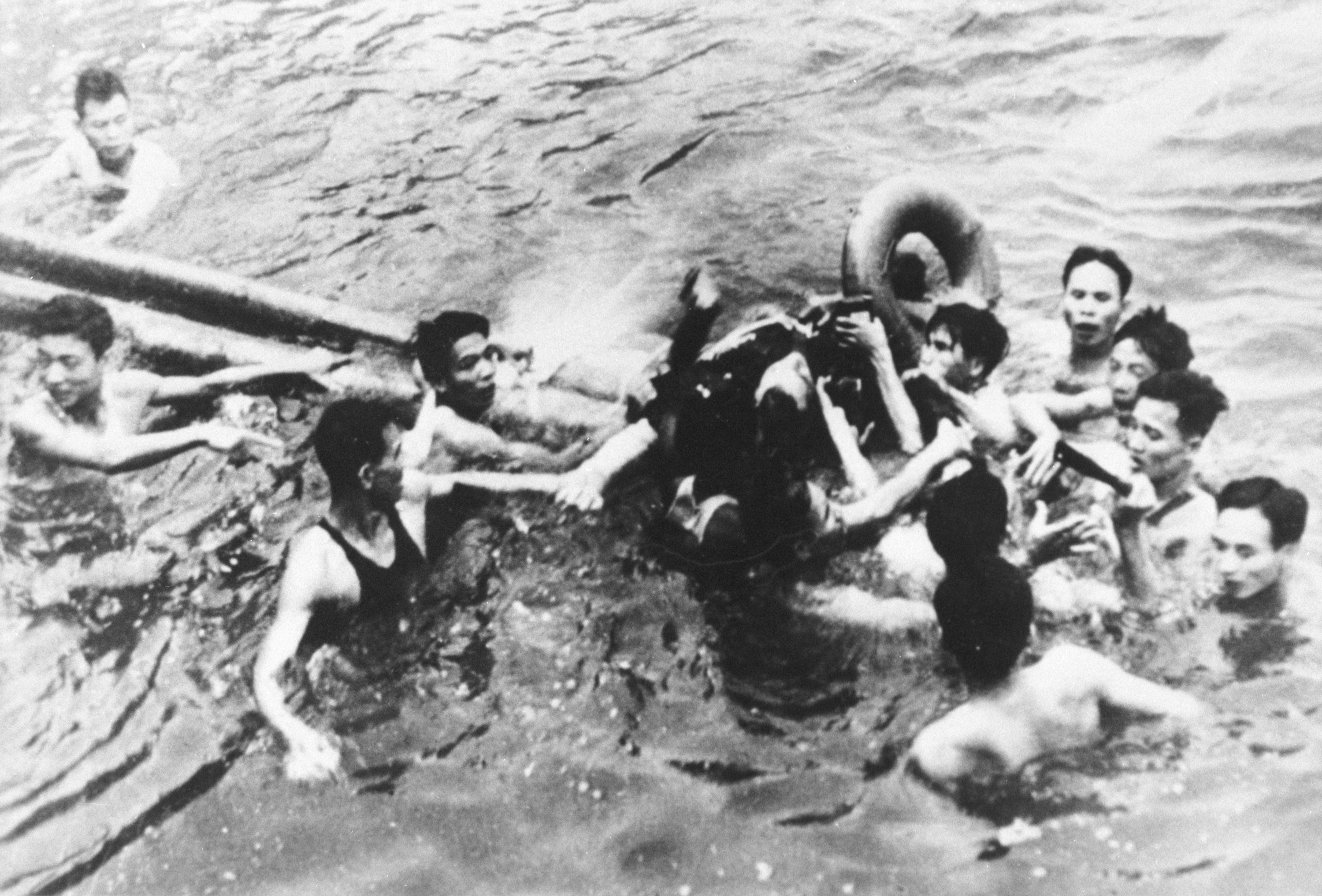 (File Photo) Senator John Mccain Is Pulled Out Of A Hanoi Lake By North Vietnamese Army Soldiers And Civilians October 26, 1967 In Hanoi, North Vietnam. Mccain's A-4E Skyhawk Was Shot Down By A Surface-To-Air Missile. Mccain Broke Both Arms And His Right Knee Upon Ejection And Lost Consciousness Until He Hit The Water.