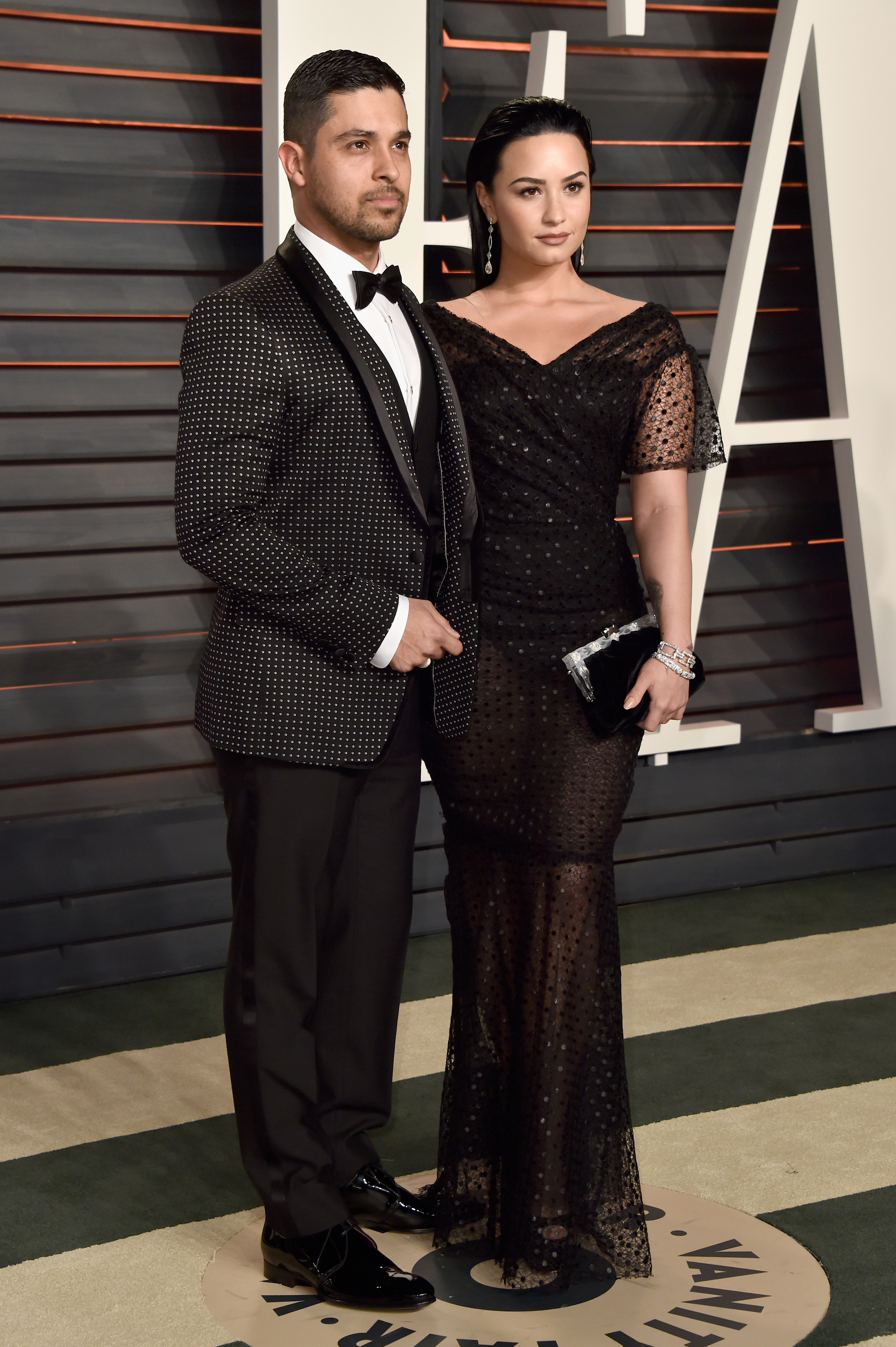 Actor Wilmer Valderrama (L) and singer Demi Lovato attend the 2016 Vanity Fair Oscar Party Hosted By Graydon Carter at the Wallis Annenberg Center for the Performing Arts on February 28, 2016 in Beverly Hills, California.