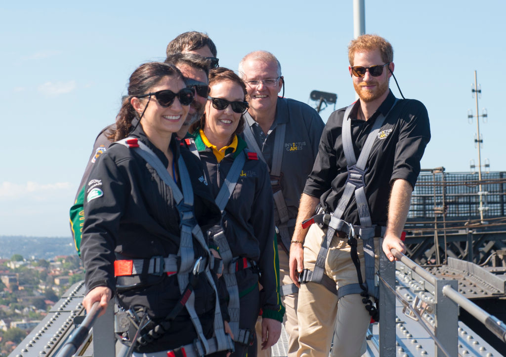 Prince Harry, Duke of Sussex climbs the Sydney Harbour Bridge with Prime Minister of Australia Scott Morrison and Invictus Games competitors on October 19, 2018, in Sydney, Australia (Source: Zak Hussein - Pool/Getty Images)