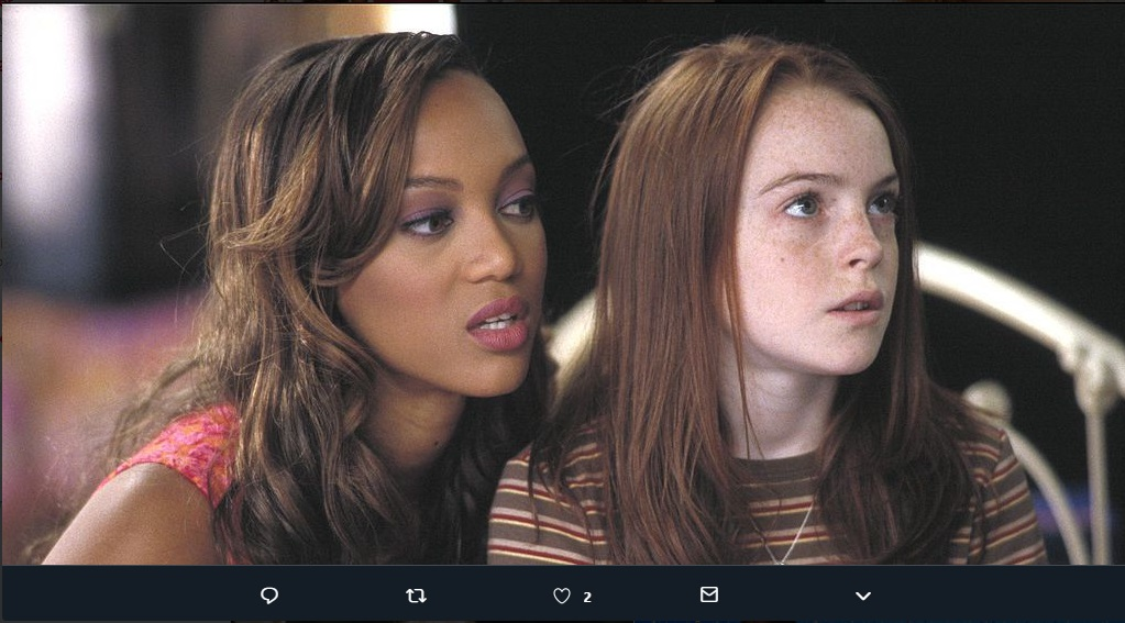 Tyra Banks (L) and a young Lindsay Lohan (R) in the original Life-Size movie.