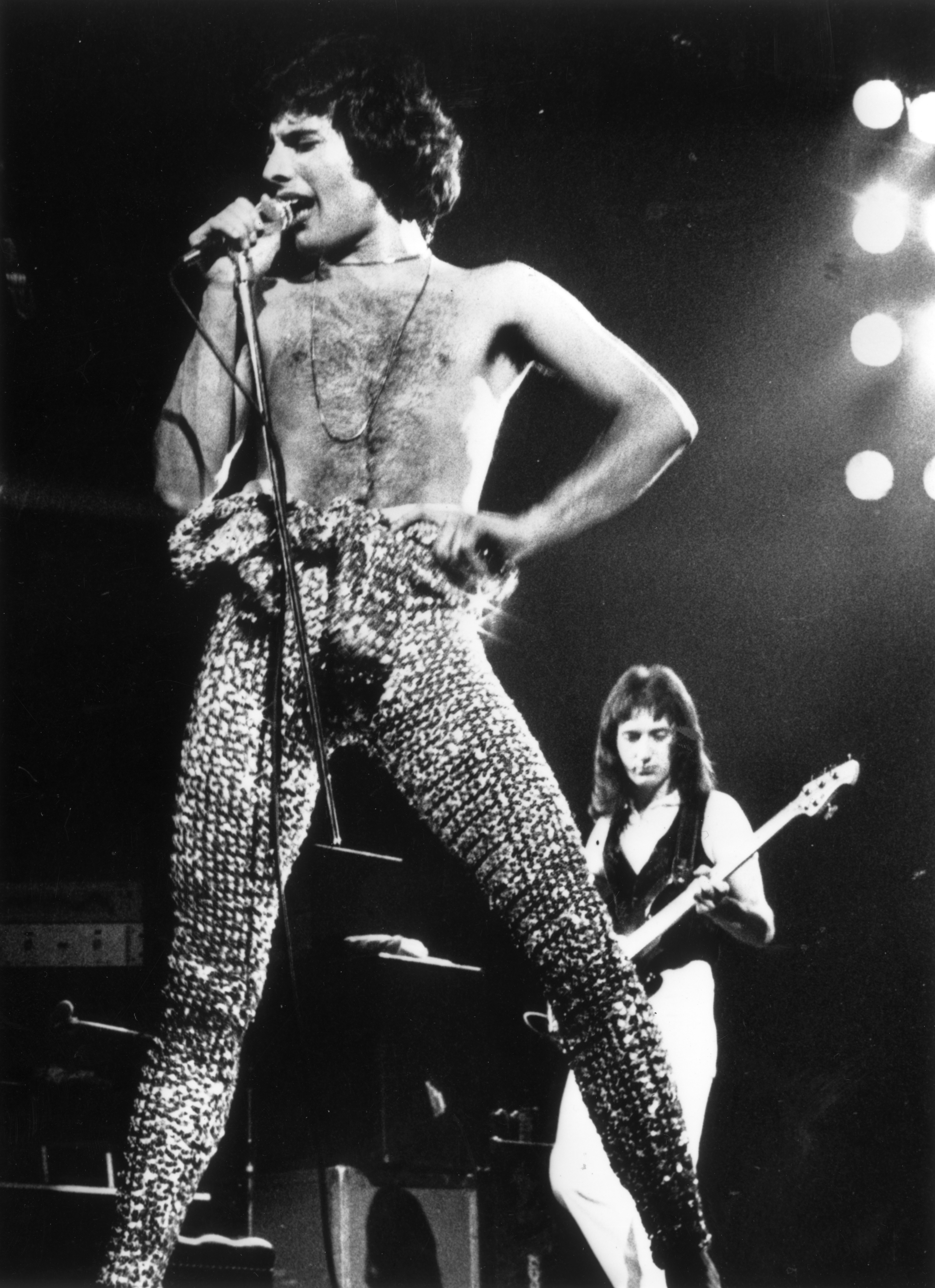 Freddie Mercury (1946 - 1991), lead singer of 70s hard rock quartet Queen, finishing the group's UK tour with two sell-out concerts at London's Earls Court. (Getty)