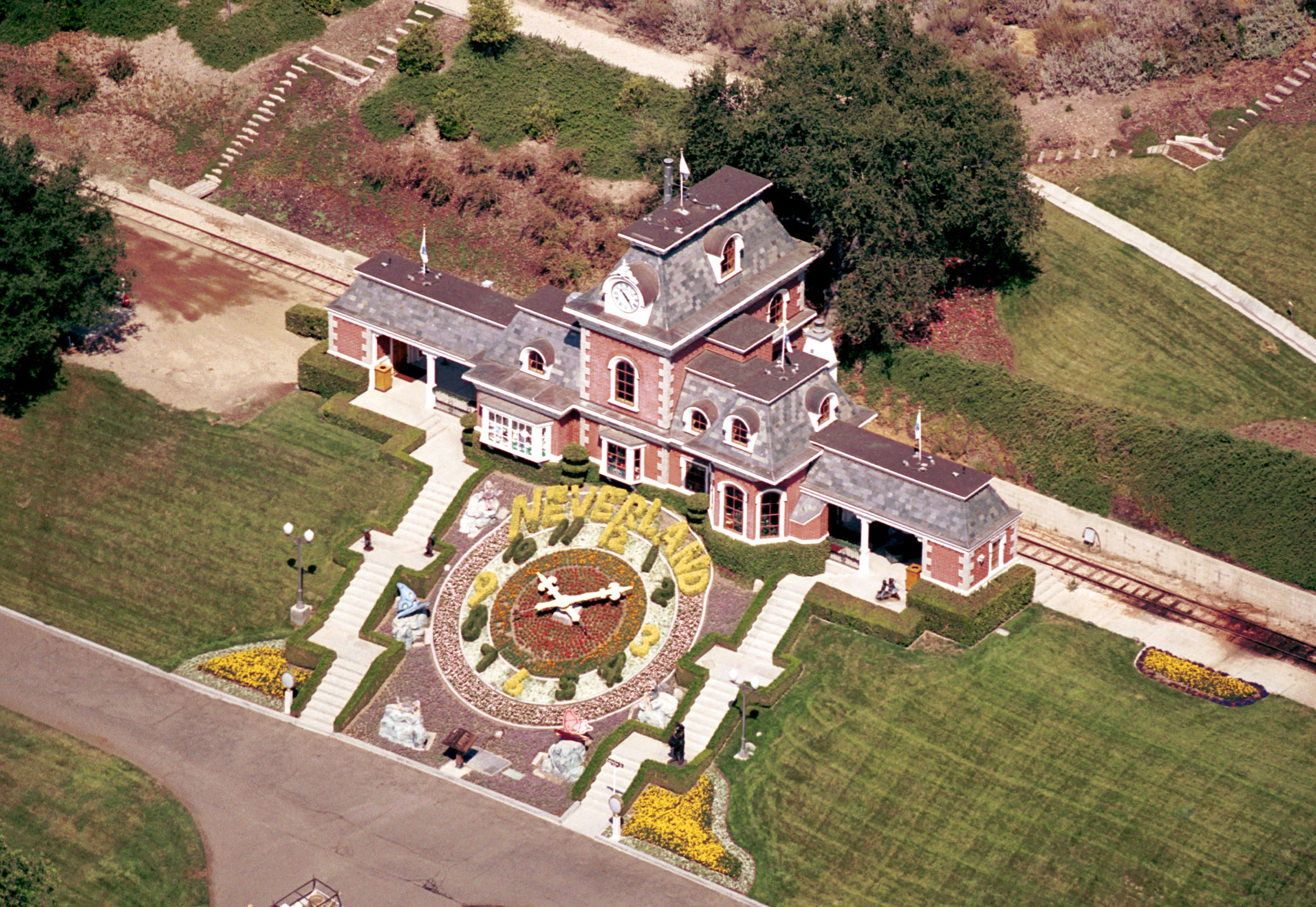 An aerial view of the Neverland Valley Ranch of singer Michael Jackson June 25, 2001, in Santa Ynez, CA. (Getty Images)