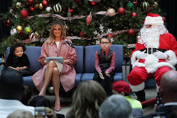 Melania Trump reading to children (Source: Getty Images)