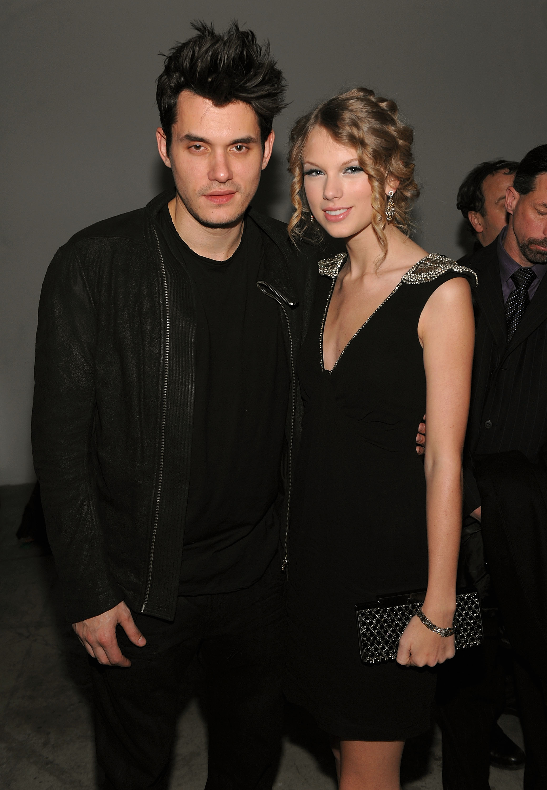 Musicians John Mayer (L) and Taylor Swift attend the launch of VEVO, the world's premiere destination for premium music video and entertainment at Skylight Studio on December 8, 2009 in New York City.