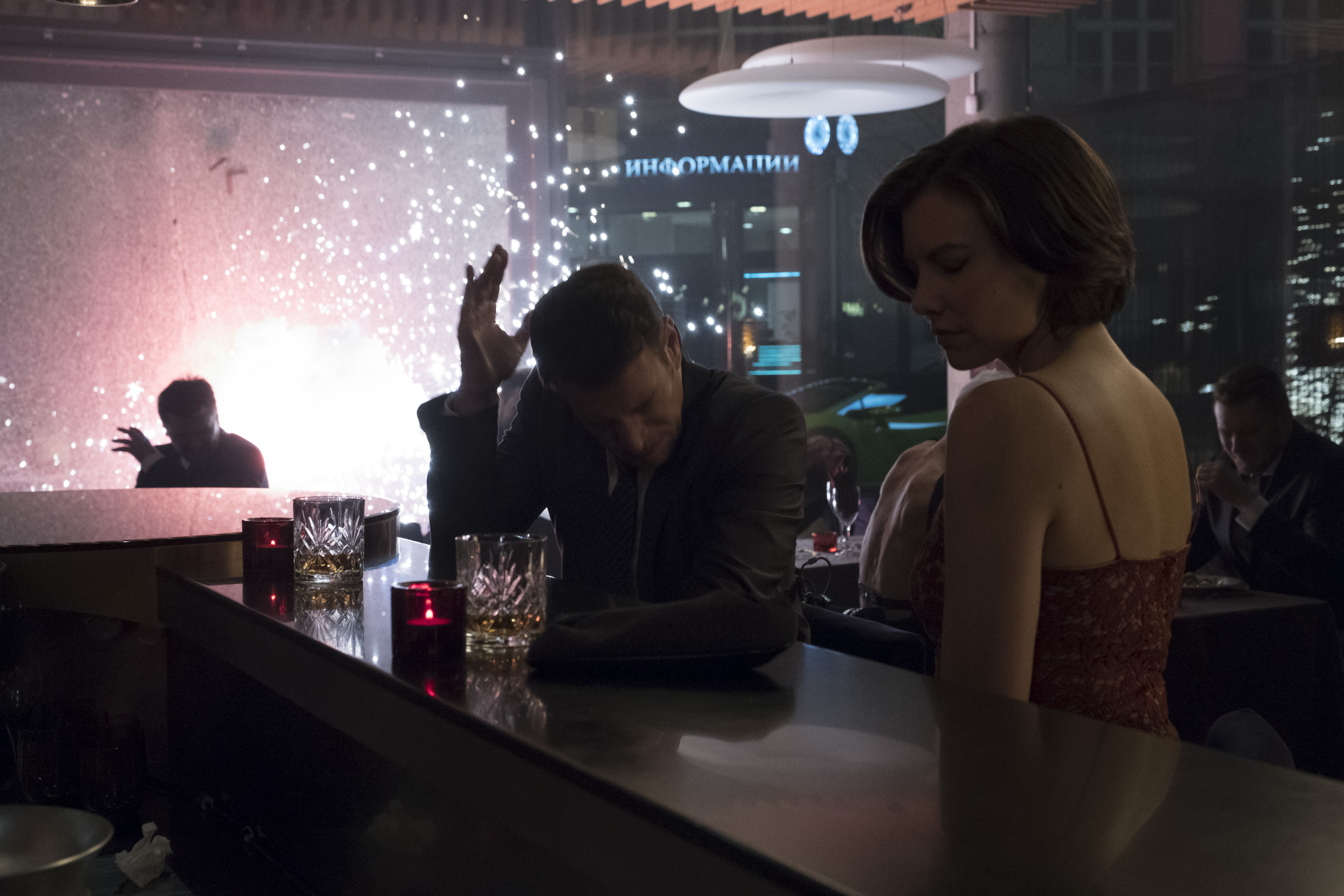 Whiskey Cavalier and Fiery Tribune share a drink together while he realizes that she's not who she says she is in 'Whiskey Cavalier'. (Source: ABC)
