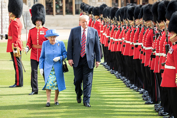 The Queen and Donald Trump with the Coldstream Guards lined up (Source: Getty Images)